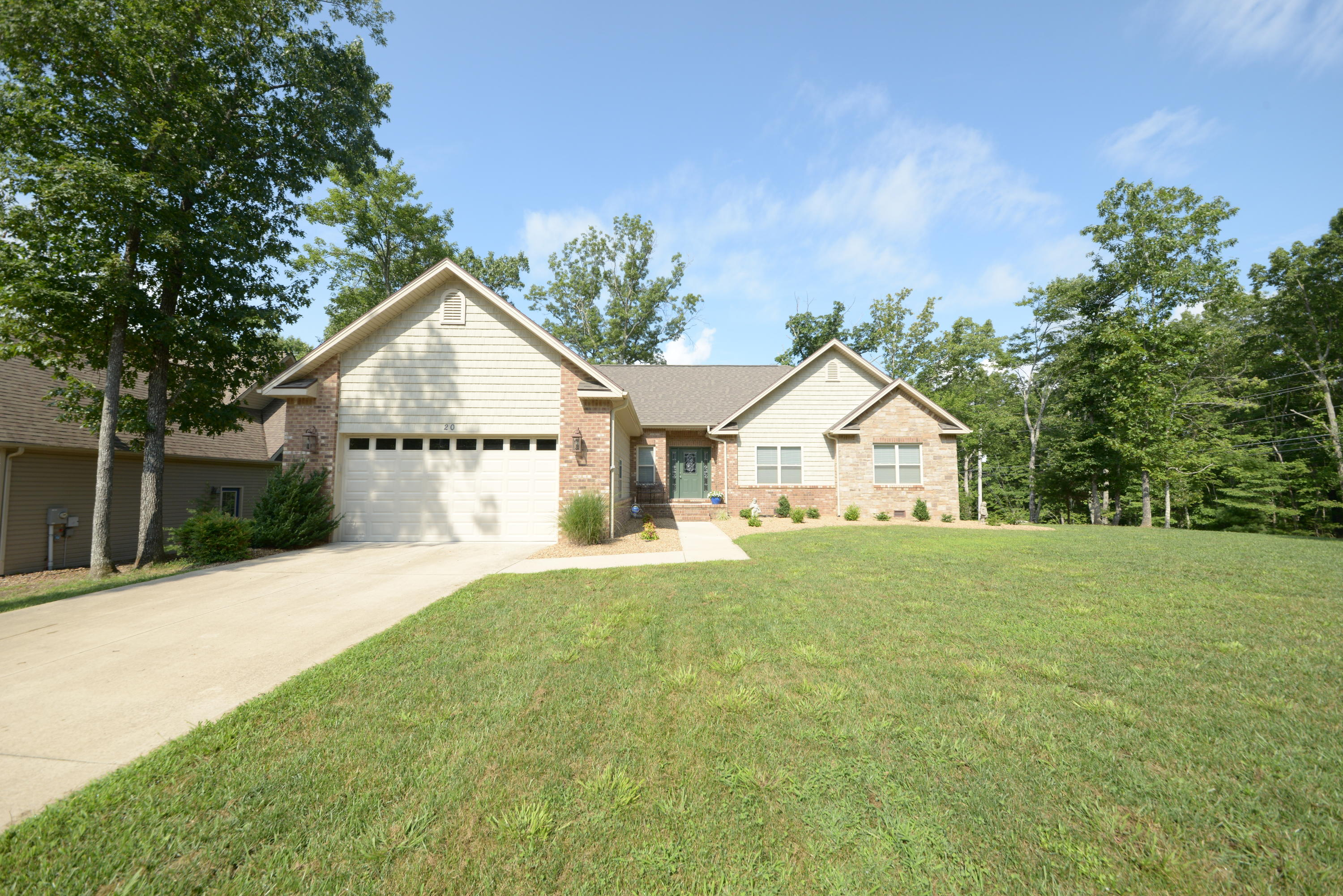 20 Bacham, Fairfield Glade, Tennessee, United States 38558, 3 Bedrooms Bedrooms, ,2 BathroomsBathrooms,Single Family,For Sale,Bacham,1126002