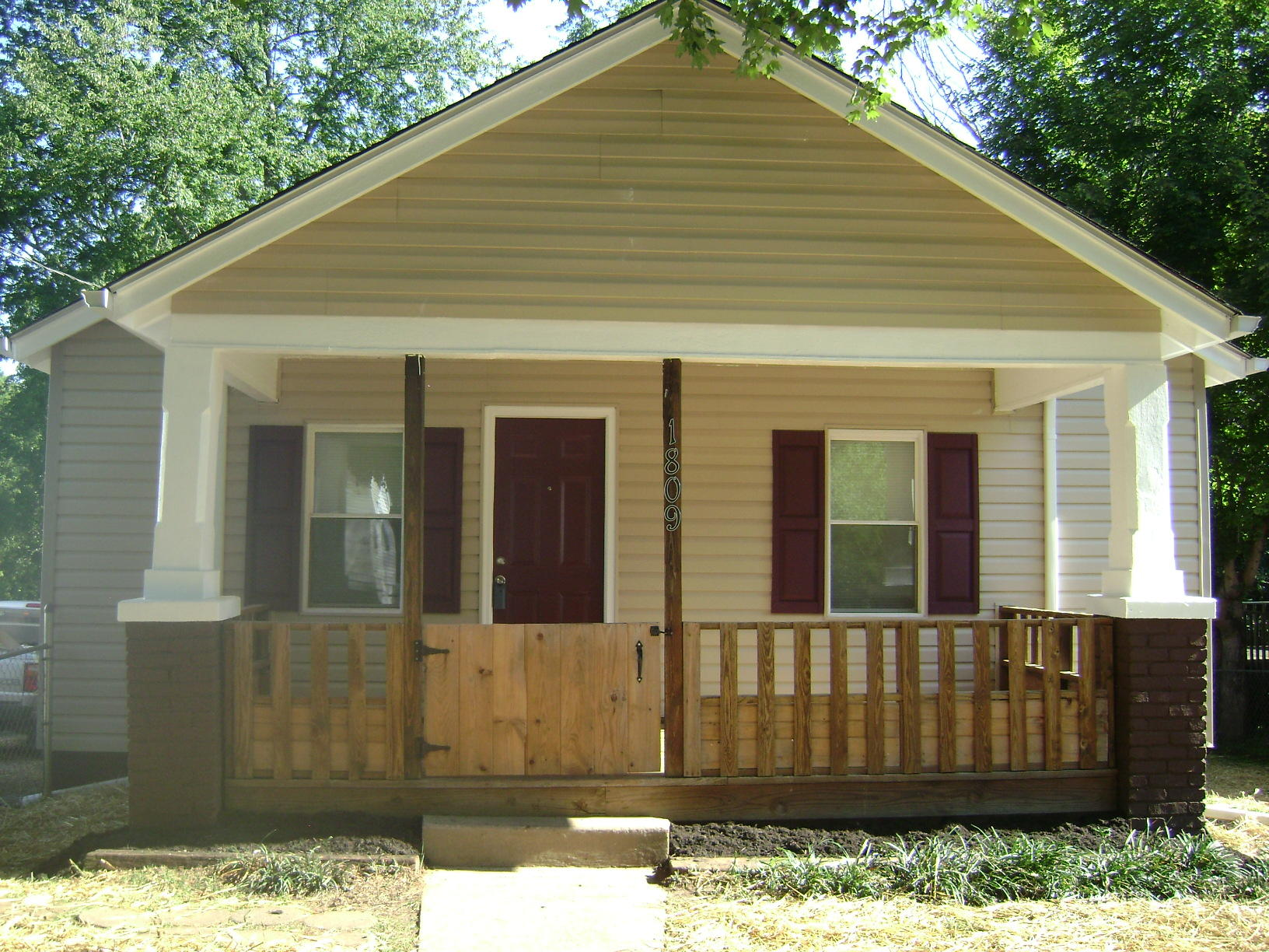 1809 Mcclung, Knoxville, Tennessee, United States 37920, 2 Bedrooms Bedrooms, ,1 BathroomBathrooms,Single Family,For Sale,Mcclung,1126005