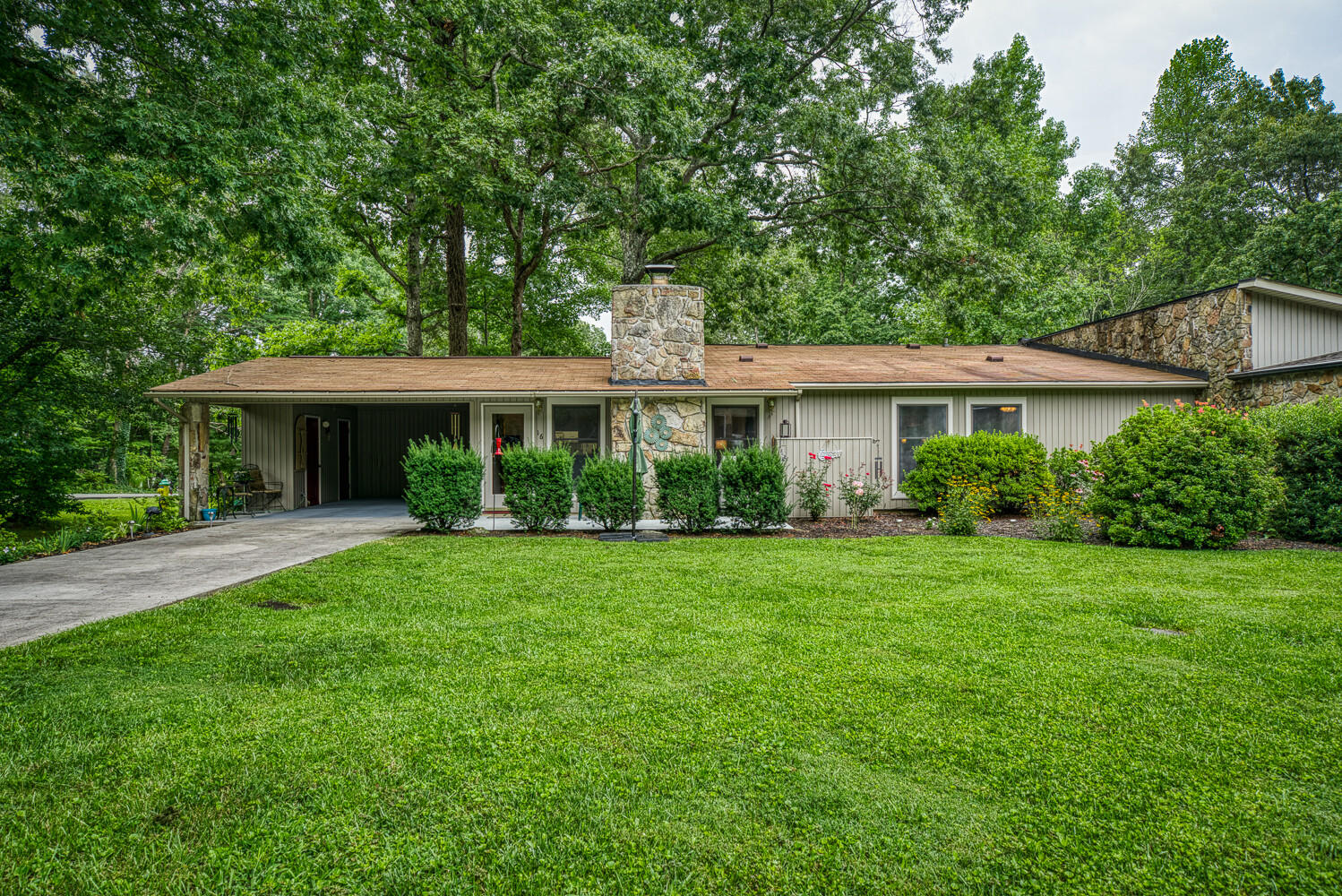 16 Lake Forest, Crossville, Tennessee, United States 38558, 2 Bedrooms Bedrooms, ,2 BathroomsBathrooms,Single Family,For Sale,Lake Forest,1126008