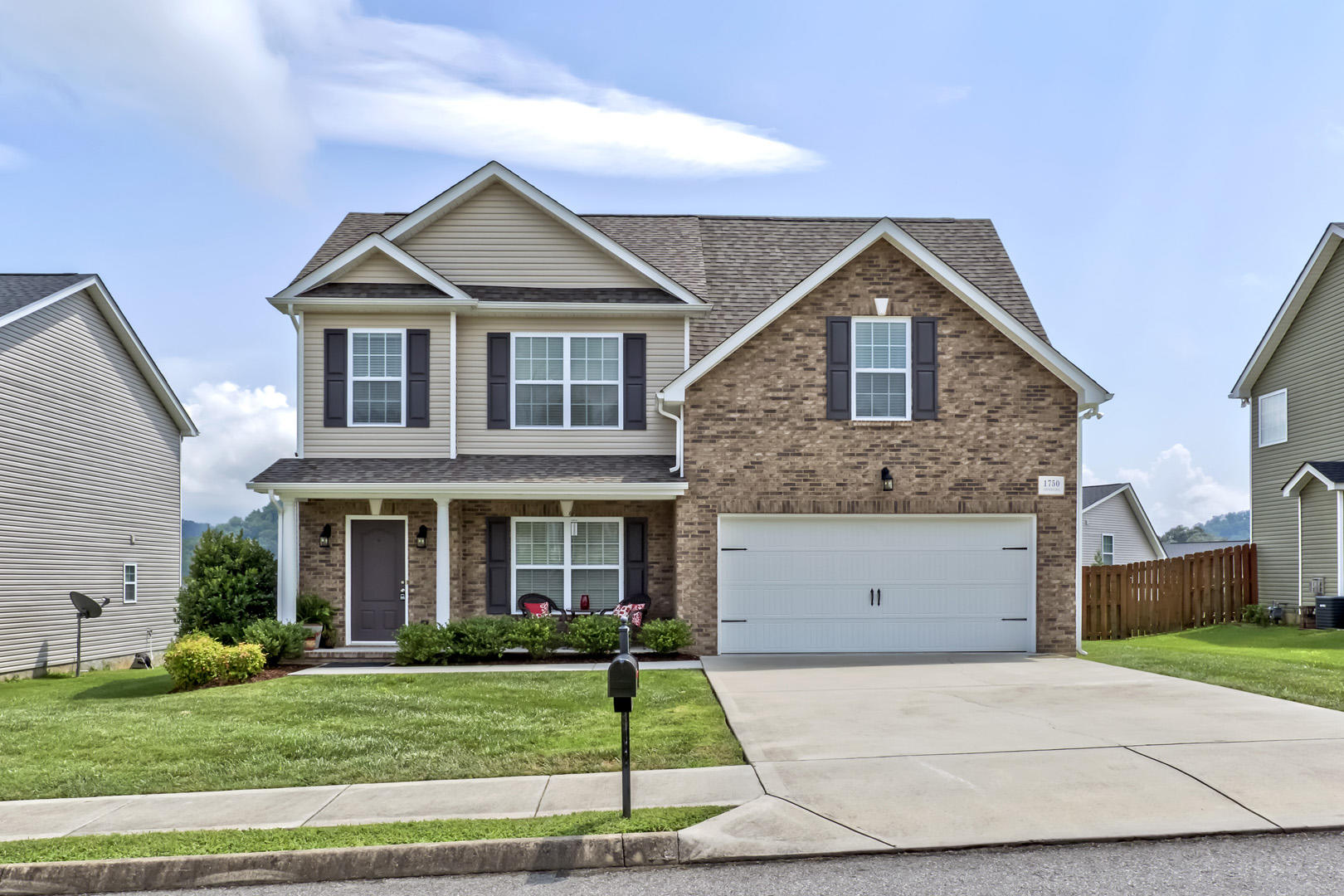 1750 Point Wood, Knoxville, Tennessee, United States 37920, 3 Bedrooms Bedrooms, ,2 BathroomsBathrooms,Single Family,For Sale,Point Wood,1126014