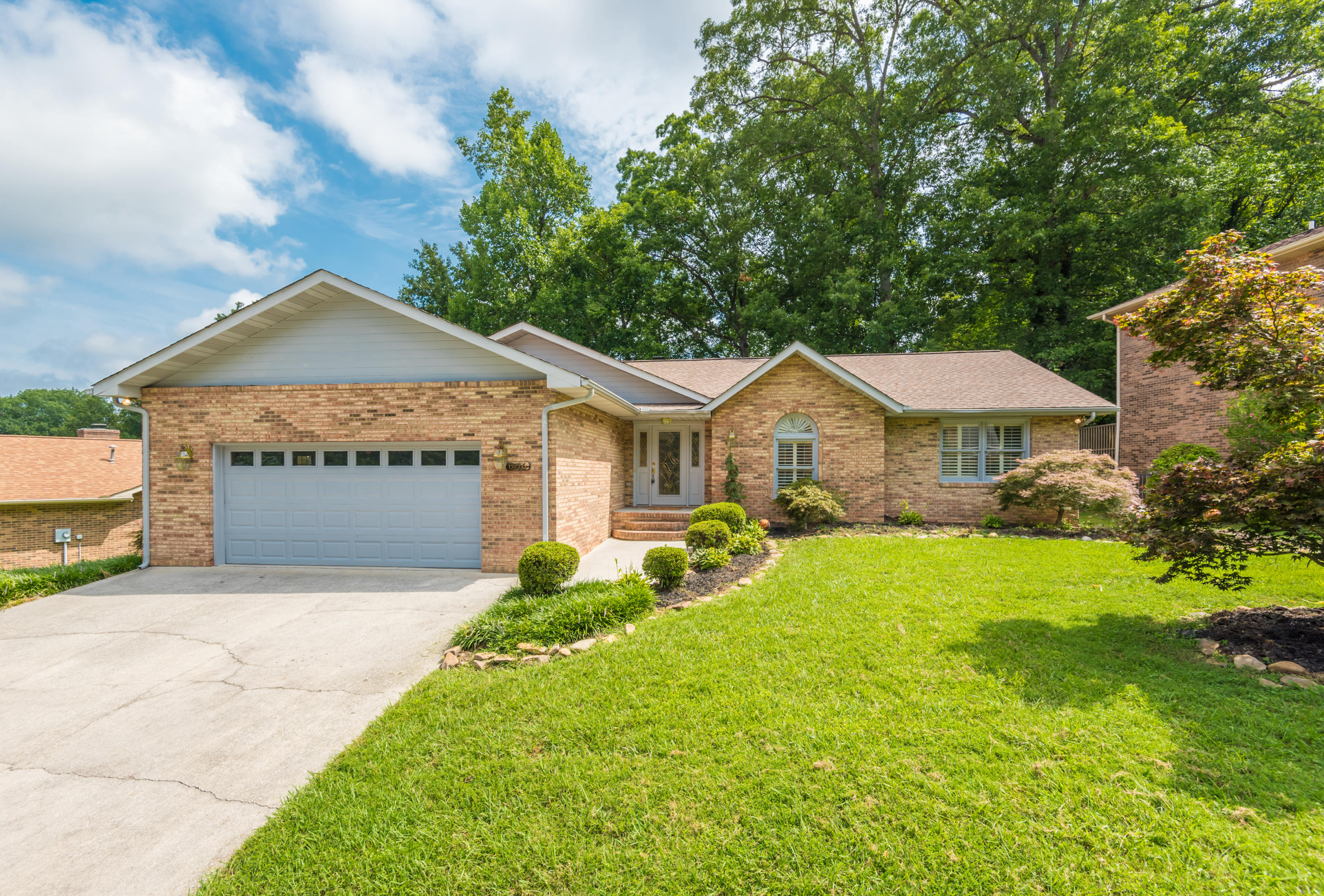 6716 Saddle Creek, Knoxville, Tennessee, United States 37921, 3 Bedrooms Bedrooms, ,2 BathroomsBathrooms,Single Family,For Sale,Saddle Creek,1126040