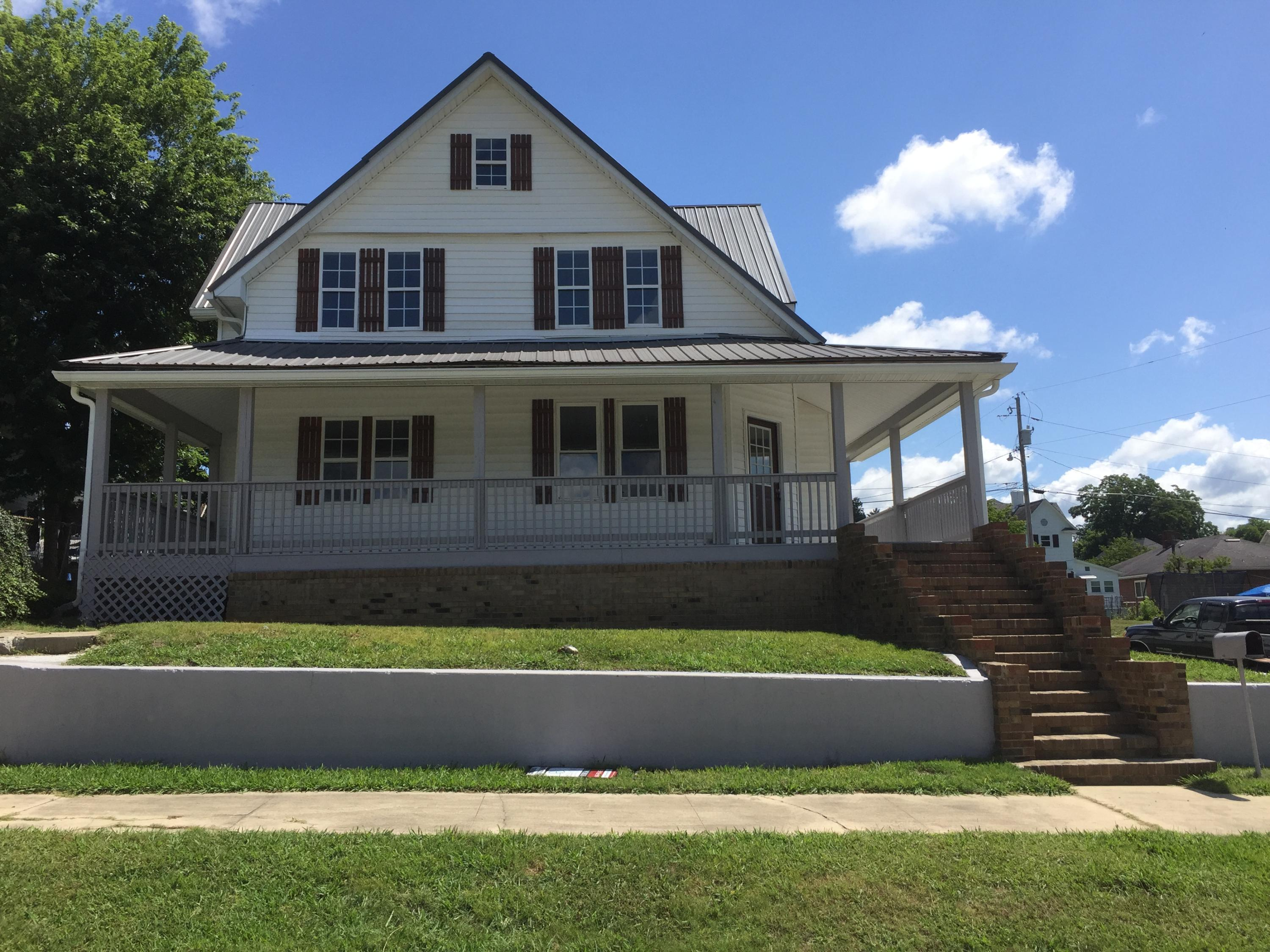 402 Byrd, Harriman, Tennessee, United States 37748, 5 Bedrooms Bedrooms, ,3 BathroomsBathrooms,Single Family,For Sale,Byrd,1126261