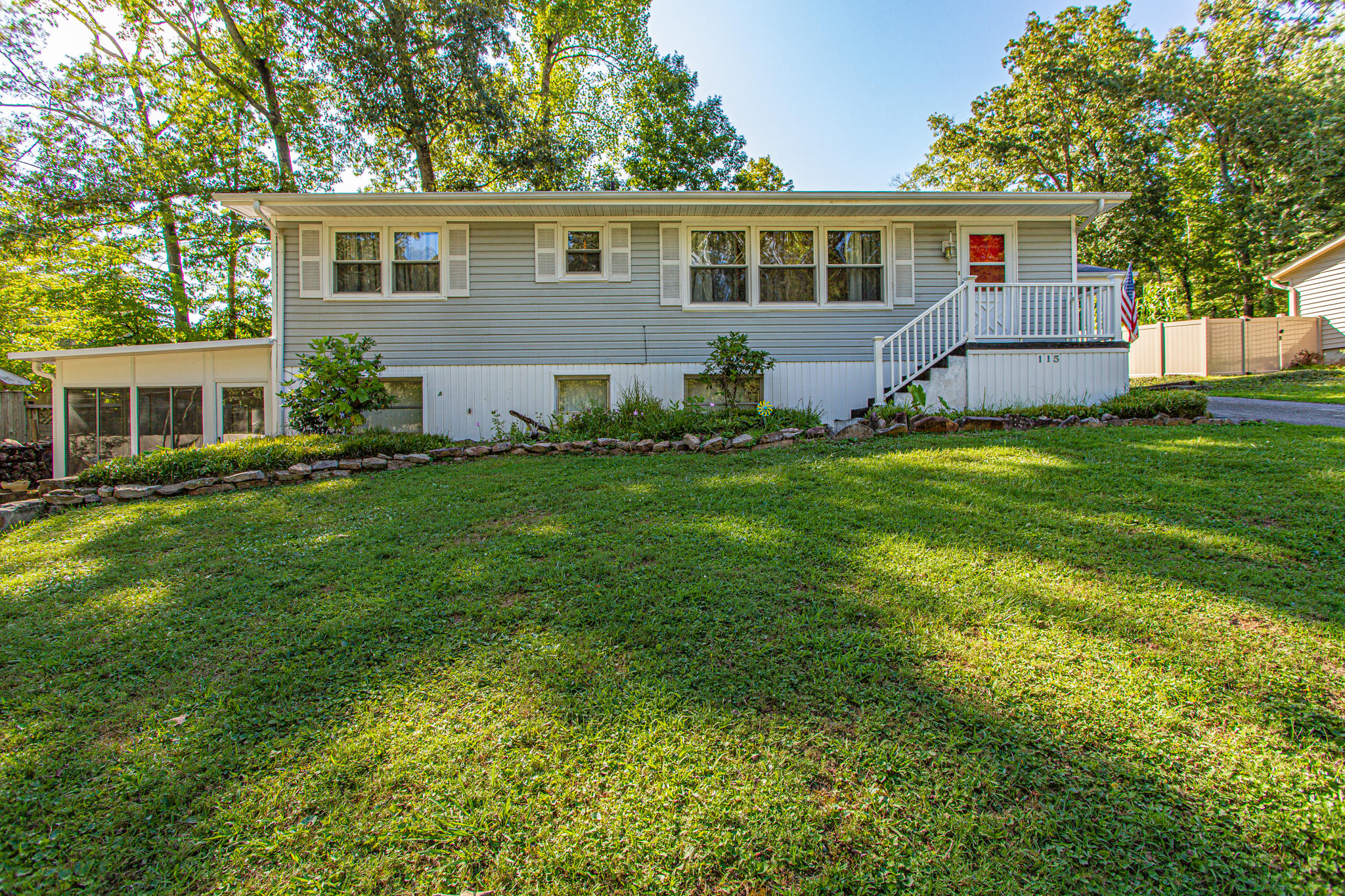 115 Irving, Oak Ridge, Tennessee, United States 37830, 4 Bedrooms Bedrooms, ,2 BathroomsBathrooms,Single Family,For Sale,Irving,1126369