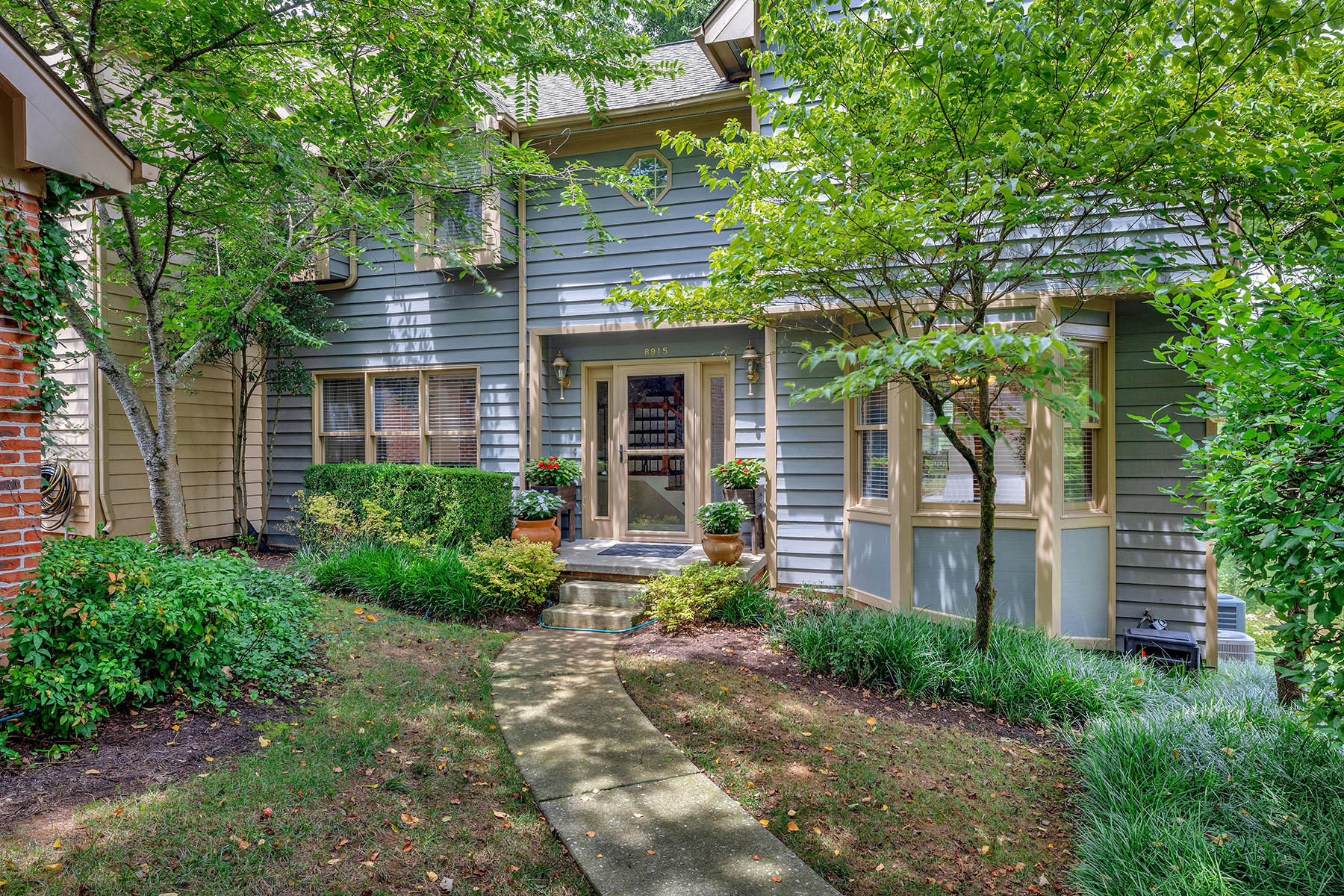 8915 Wesley, Knoxville, Tennessee, United States 37922, 3 Bedrooms Bedrooms, ,2 BathroomsBathrooms,Single Family,For Sale,Wesley,1126640