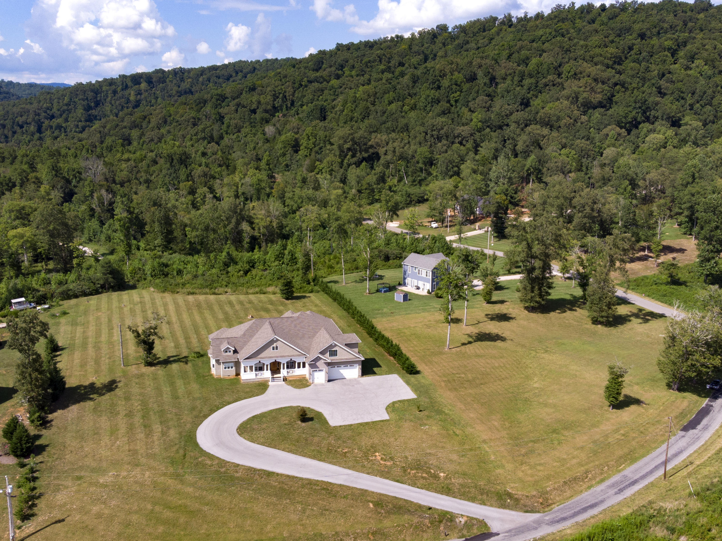 310 Old Leadmine Bend Rd: