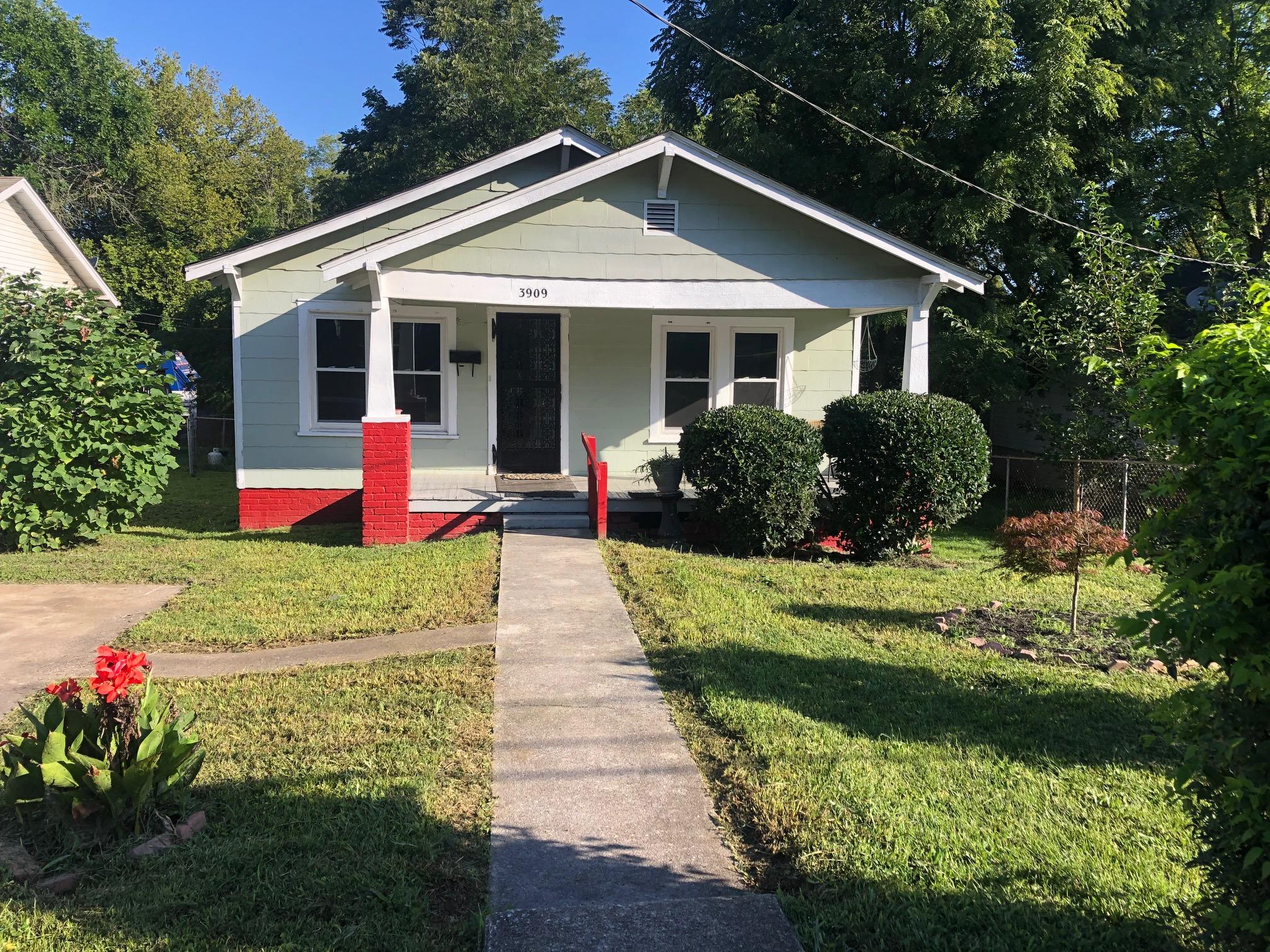 3909 Ivy Ave, Knoxville, Tennessee 37914, 2 Bedrooms Bedrooms, ,1 BathroomBathrooms,Single Family,For Sale,Ivy,1126949