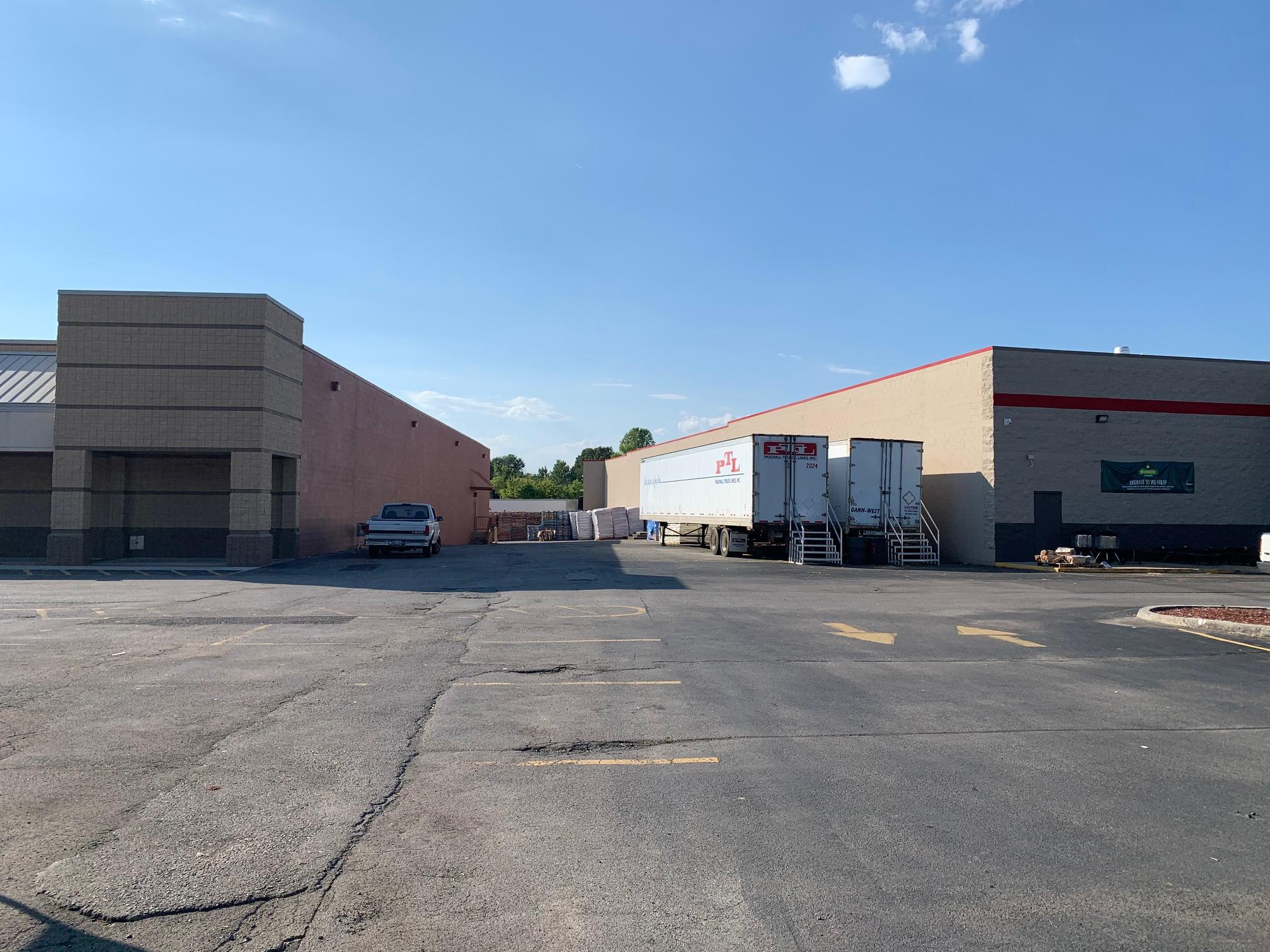 904 Main, Sweetwater, Tennessee, United States 37874, ,Commercial,For Sale,Main,1127669