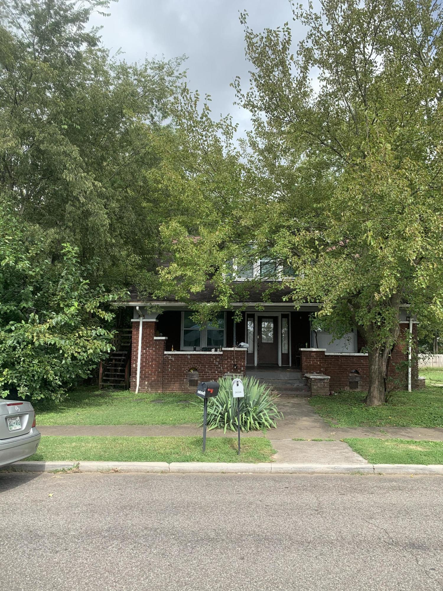 2423 Parkview, Knoxville, Tennessee, United States 37917, ,Multi-family,For Sale,Parkview,1128931