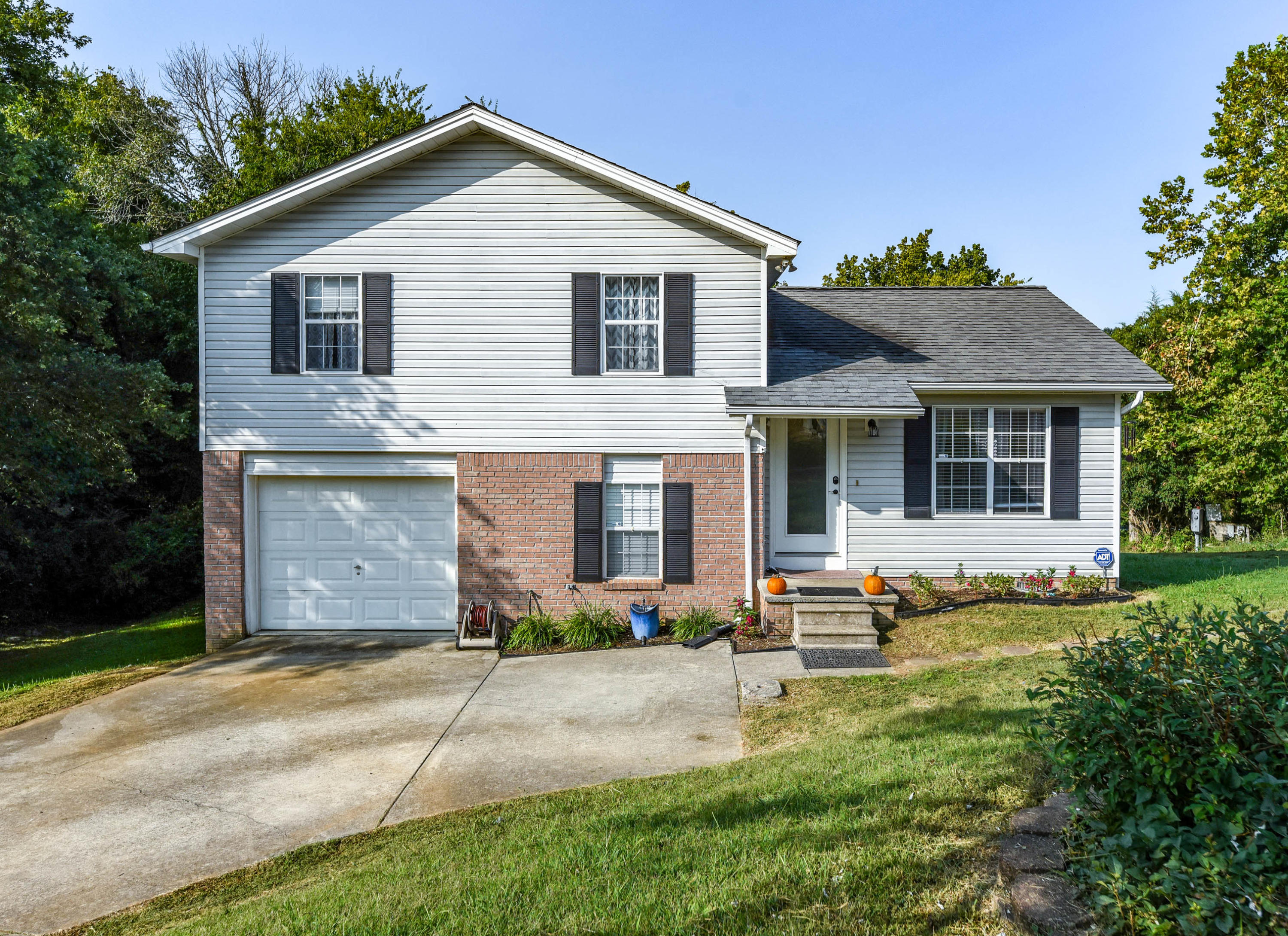 1822 Norlil, Sevierville, Tennessee, United States 37876, 3 Bedrooms Bedrooms, ,1 BathroomBathrooms,Single Family,For Sale,Norlil,1129516
