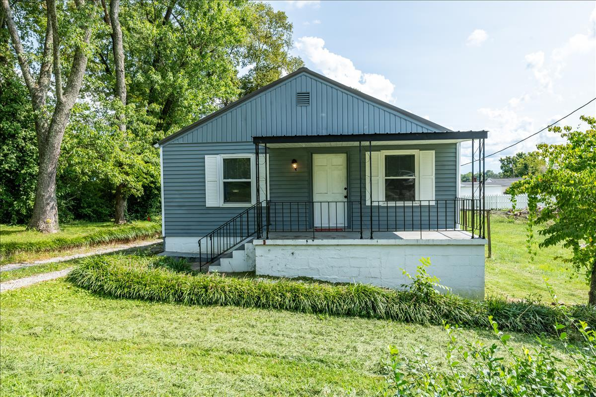 5028 Mcintyre, Knoxville, Tennessee, United States 37914, 4 Bedrooms Bedrooms, ,2 BathroomsBathrooms,Single Family,For Sale,Mcintyre,1130115