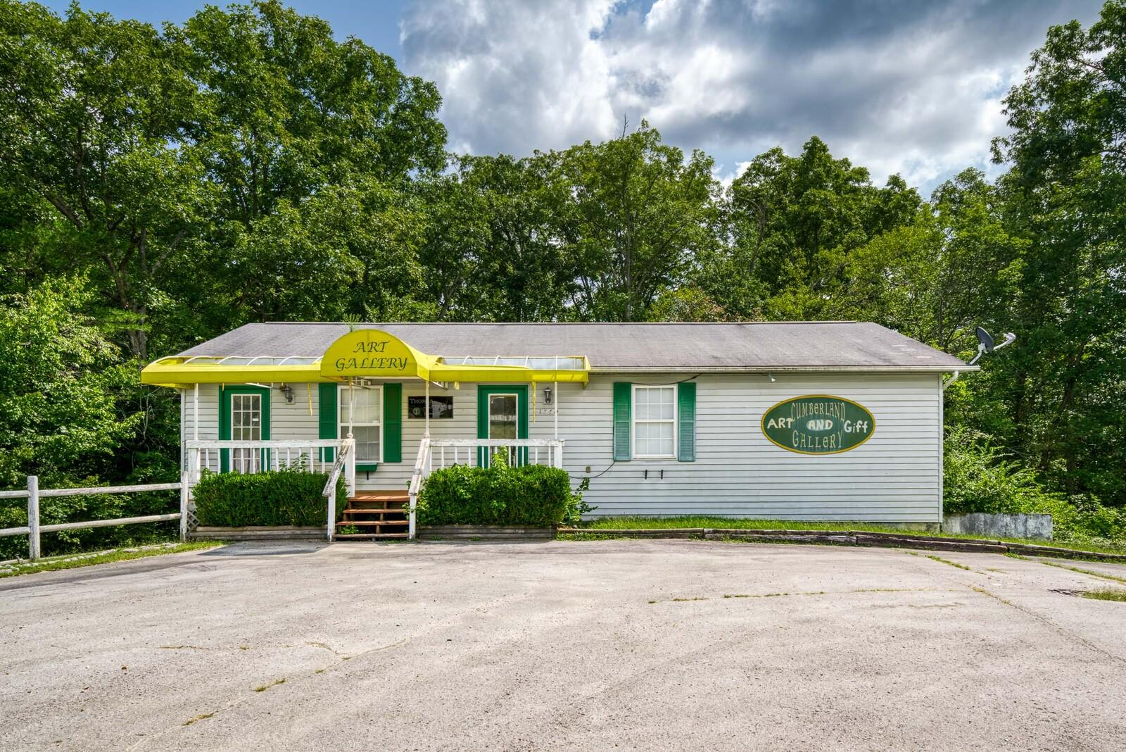 1740 Peavine, Crossville, Tennessee, United States 38571, ,Commercial,For Sale,Peavine,1130167