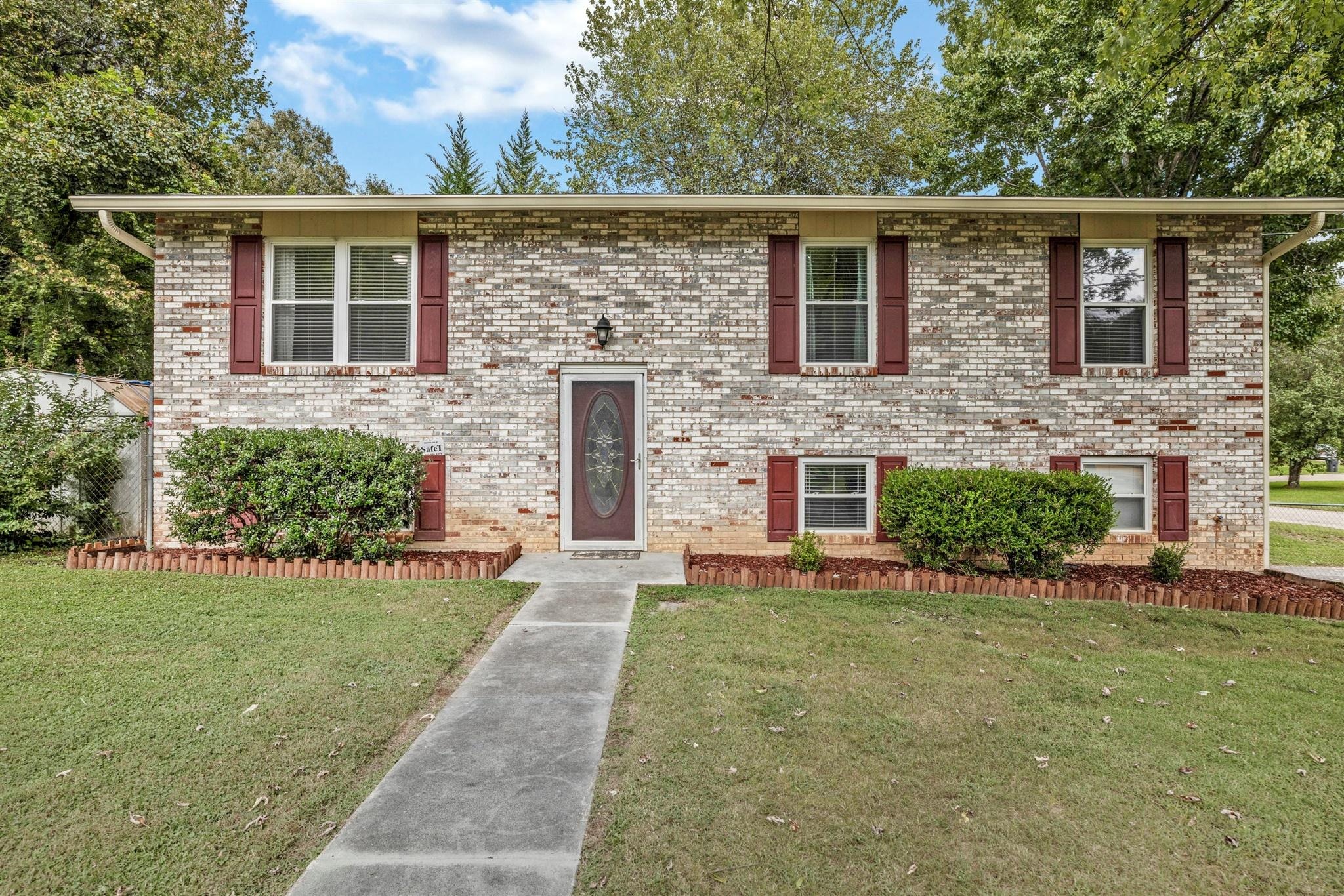 6341 Shaftsbury, Knoxville, Tennessee, United States 37921, 4 Bedrooms Bedrooms, ,2 BathroomsBathrooms,Single Family,For Sale,Shaftsbury,1130285