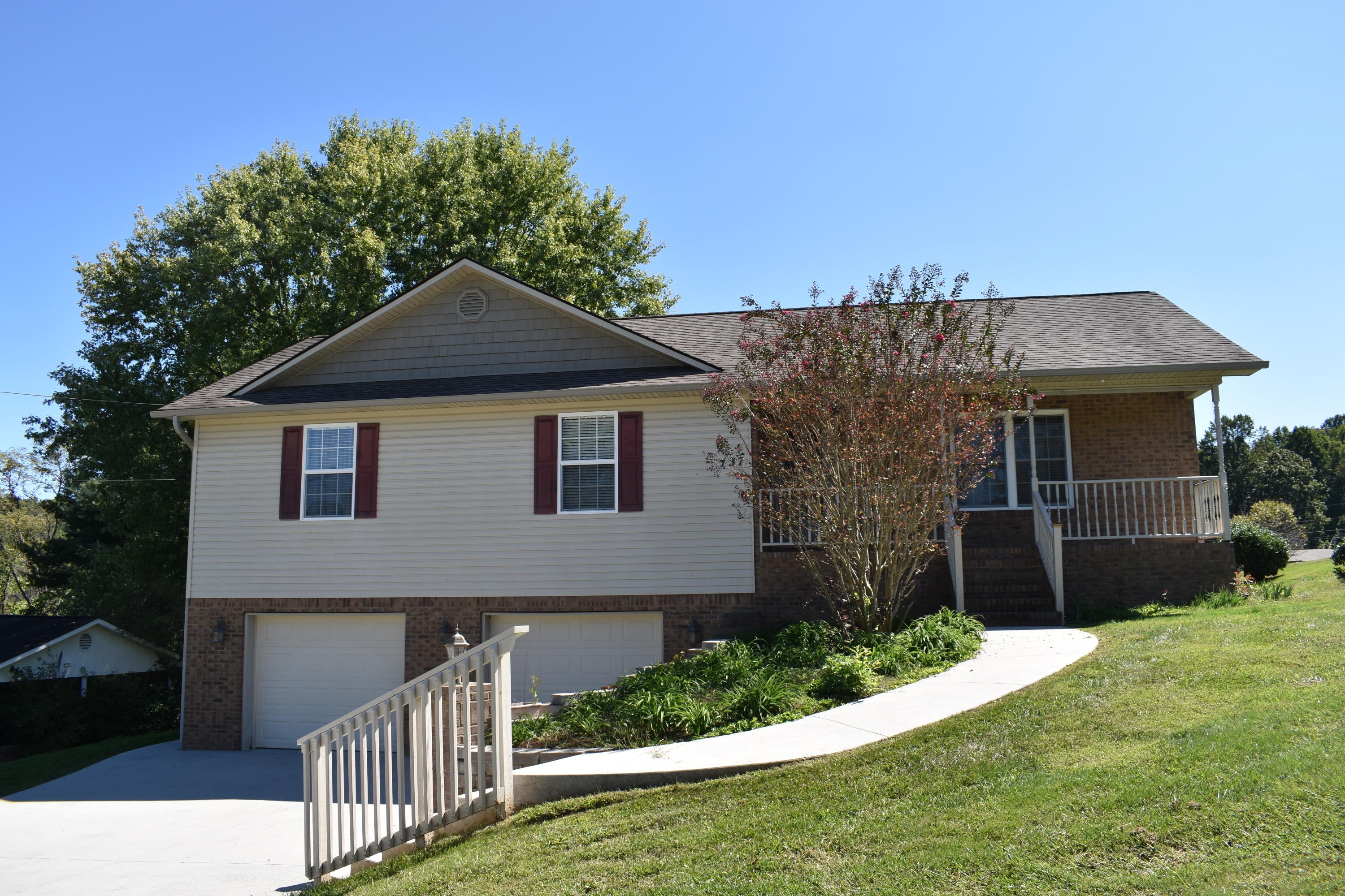 137 Whitaker, Tazewell, Tennessee, United States 37879, 3 Bedrooms Bedrooms, ,2 BathroomsBathrooms,Single Family,For Sale,Whitaker,1130435