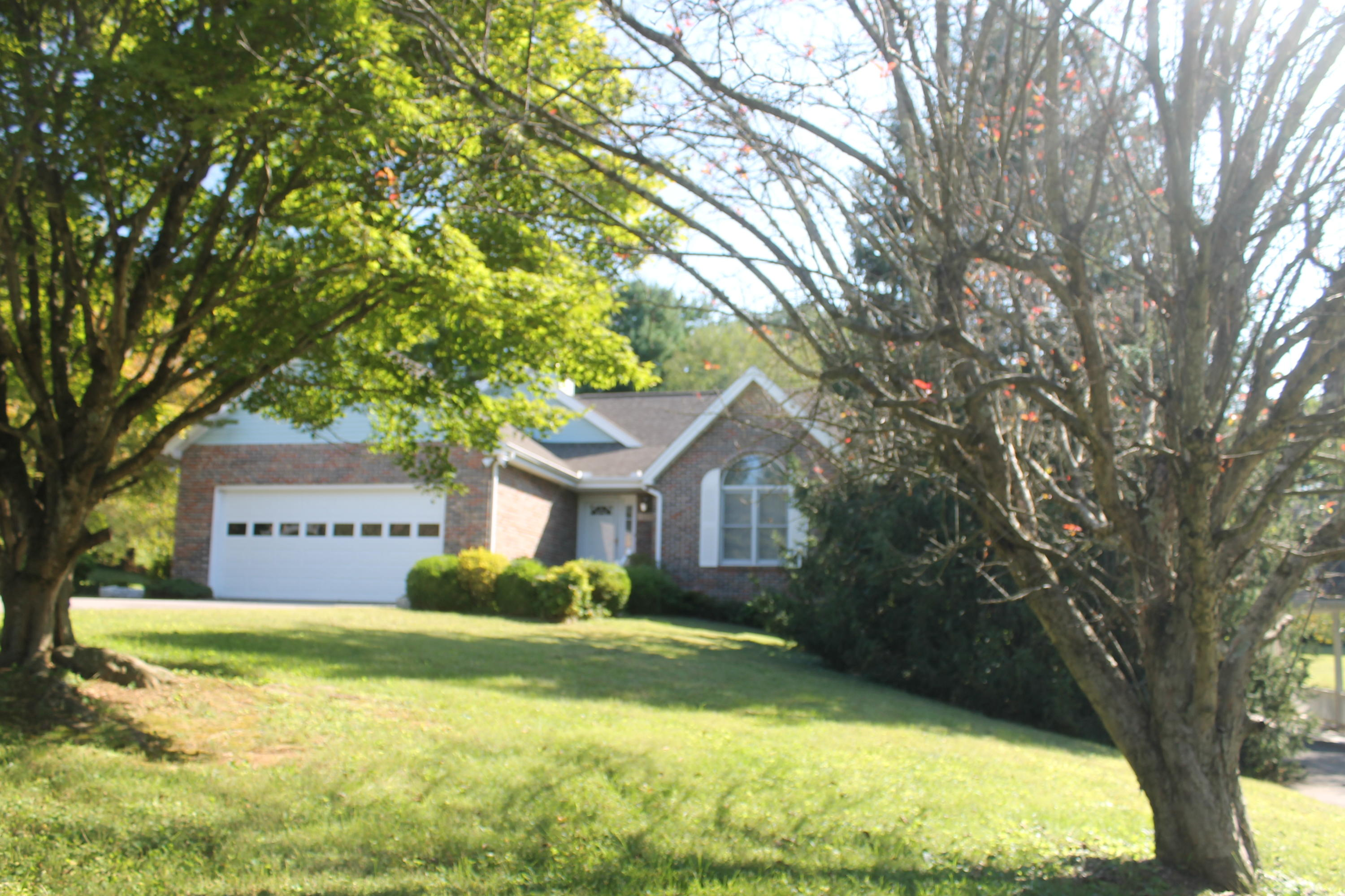 1020 Forest, New Market, Tennessee, United States 37820, 3 Bedrooms Bedrooms, ,3 BathroomsBathrooms,Single Family,For Sale,Forest,1130446