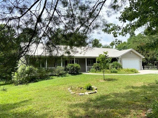 84 Evergreen, Sparta, Tennessee, United States 38583, 3 Bedrooms Bedrooms, ,2 BathroomsBathrooms,Single Family,For Sale,Evergreen,1130605