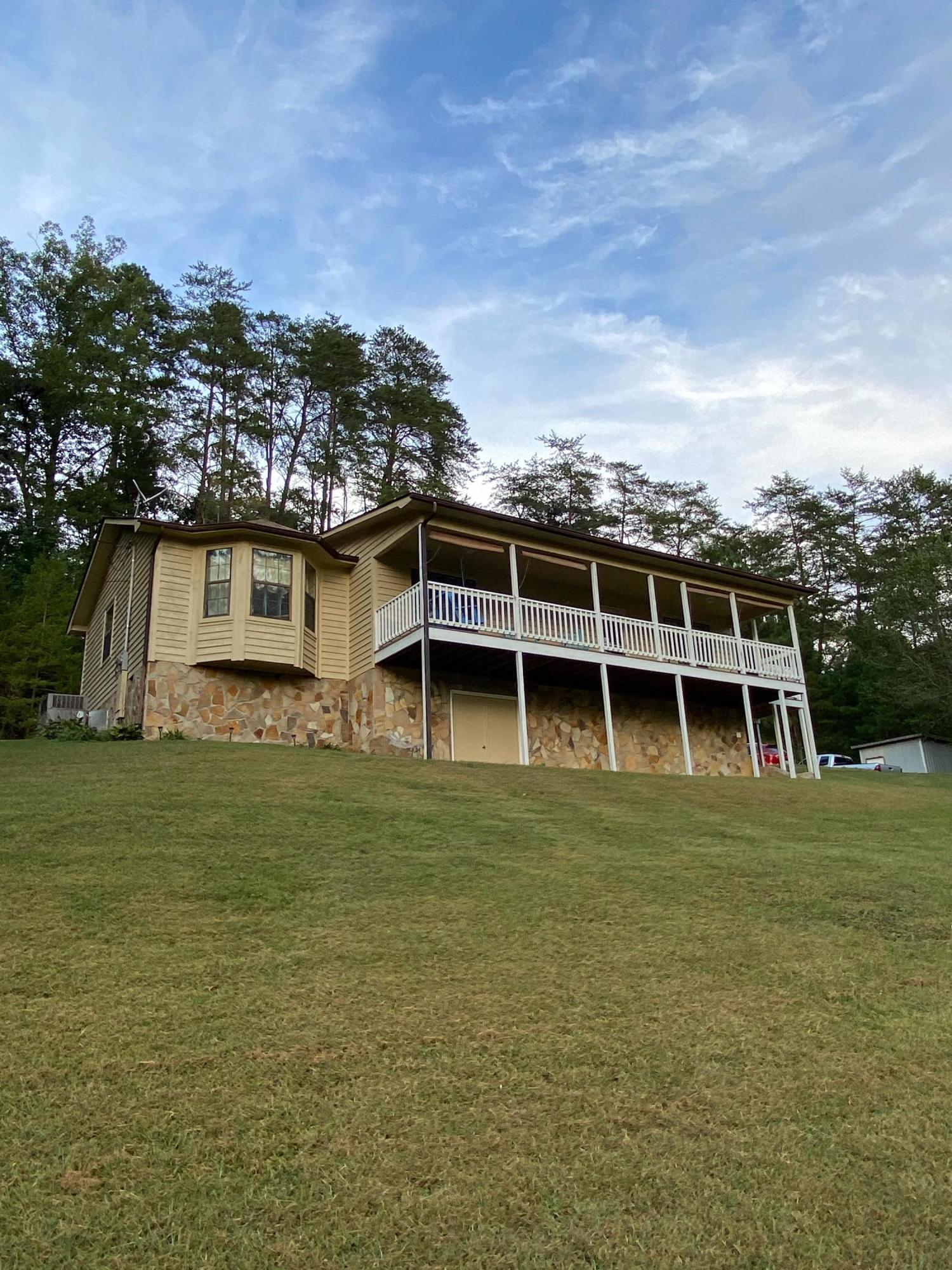 2040 Sulphur Springs, Clinton, Tennessee, United States 37716, 3 Bedrooms Bedrooms, ,2 BathroomsBathrooms,Single Family,For Sale,Sulphur Springs,1130614
