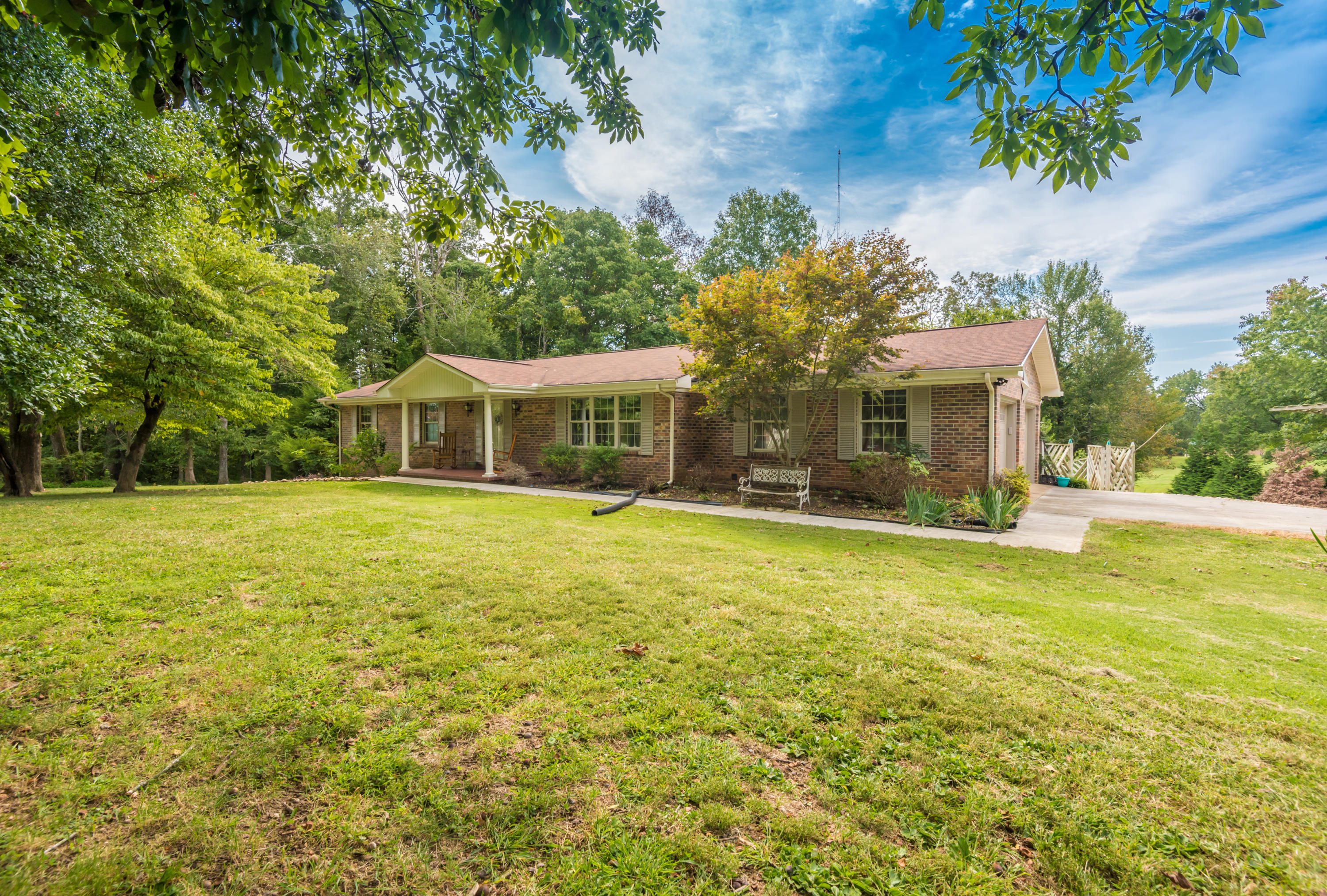 911 Hale, Madisonville, Tennessee, United States 37354, 3 Bedrooms Bedrooms, ,2 BathroomsBathrooms,Single Family,For Sale,Hale,1129756