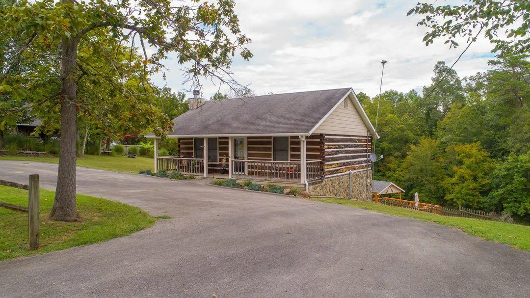 922 Campfire Pt, Dandridge, Tennessee, United States 37725, 2 Bedrooms Bedrooms, ,1 BathroomBathrooms,Single Family,For Sale,Campfire Pt,1131225