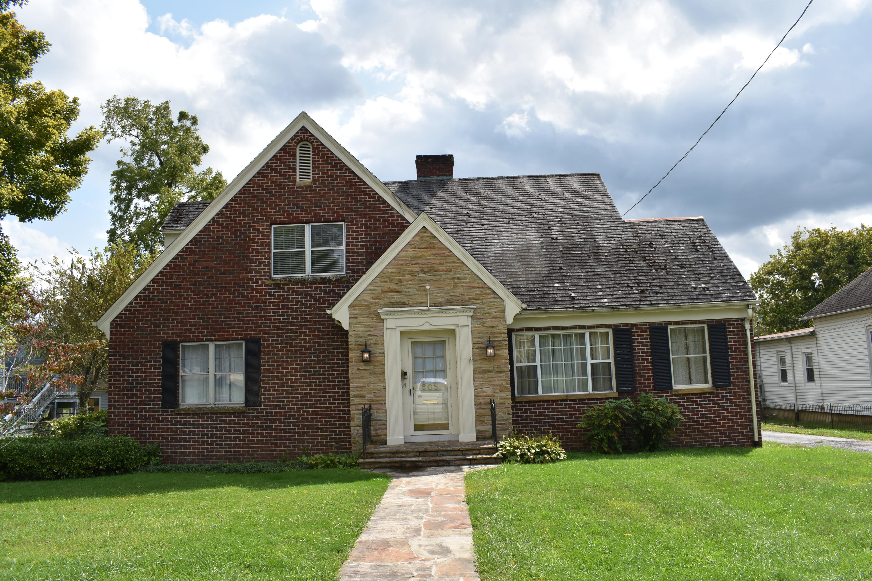 505 Dorchester, Middlesboro, Kentucky, United States 40965, 4 Bedrooms Bedrooms, ,2 BathroomsBathrooms,Single Family,For Sale,Dorchester,1131231