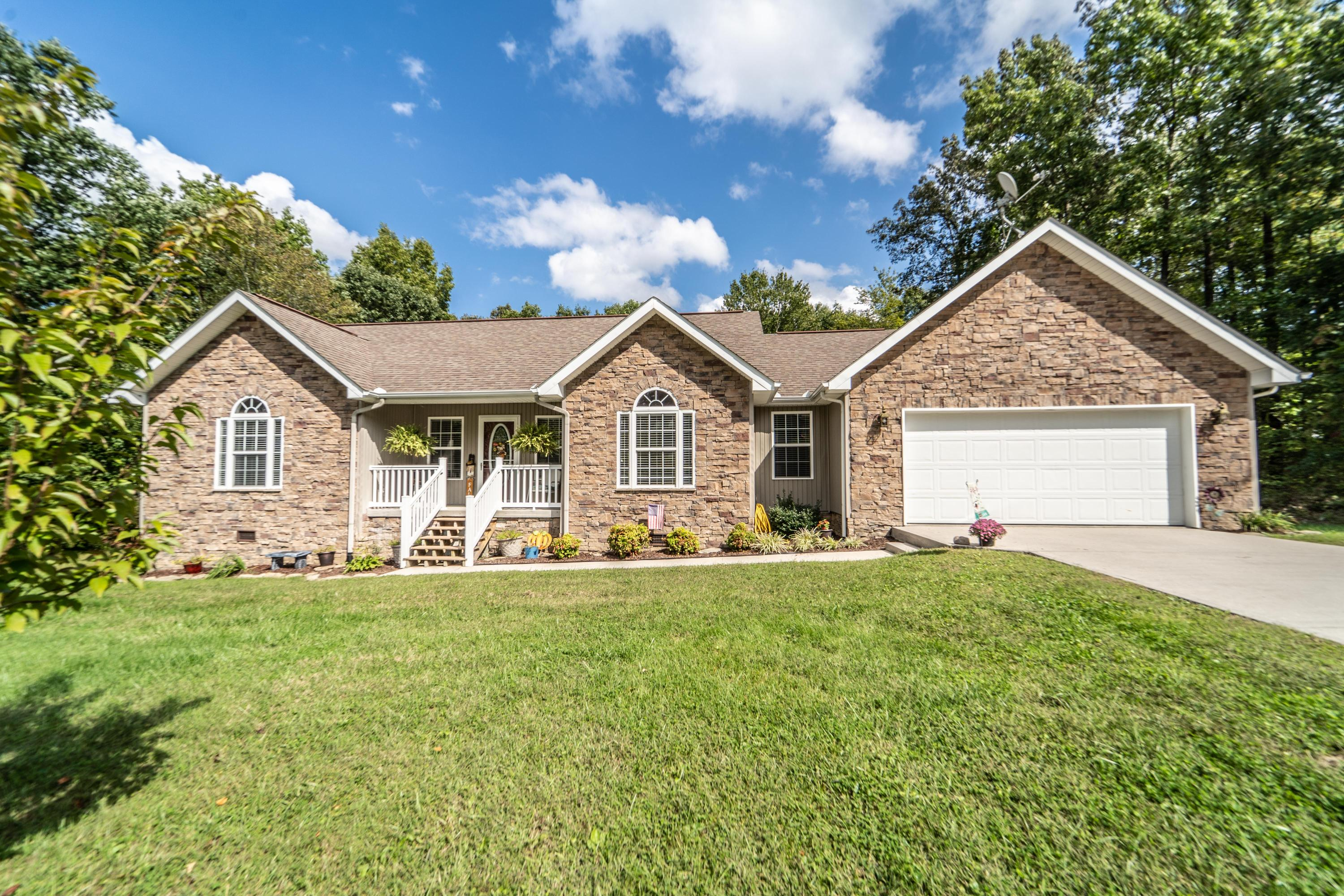360 Swallows Xing, Grimsley, Tennessee, United States 38565, 3 Bedrooms Bedrooms, ,2 BathroomsBathrooms,Single Family,For Sale,Swallows Xing,1131260