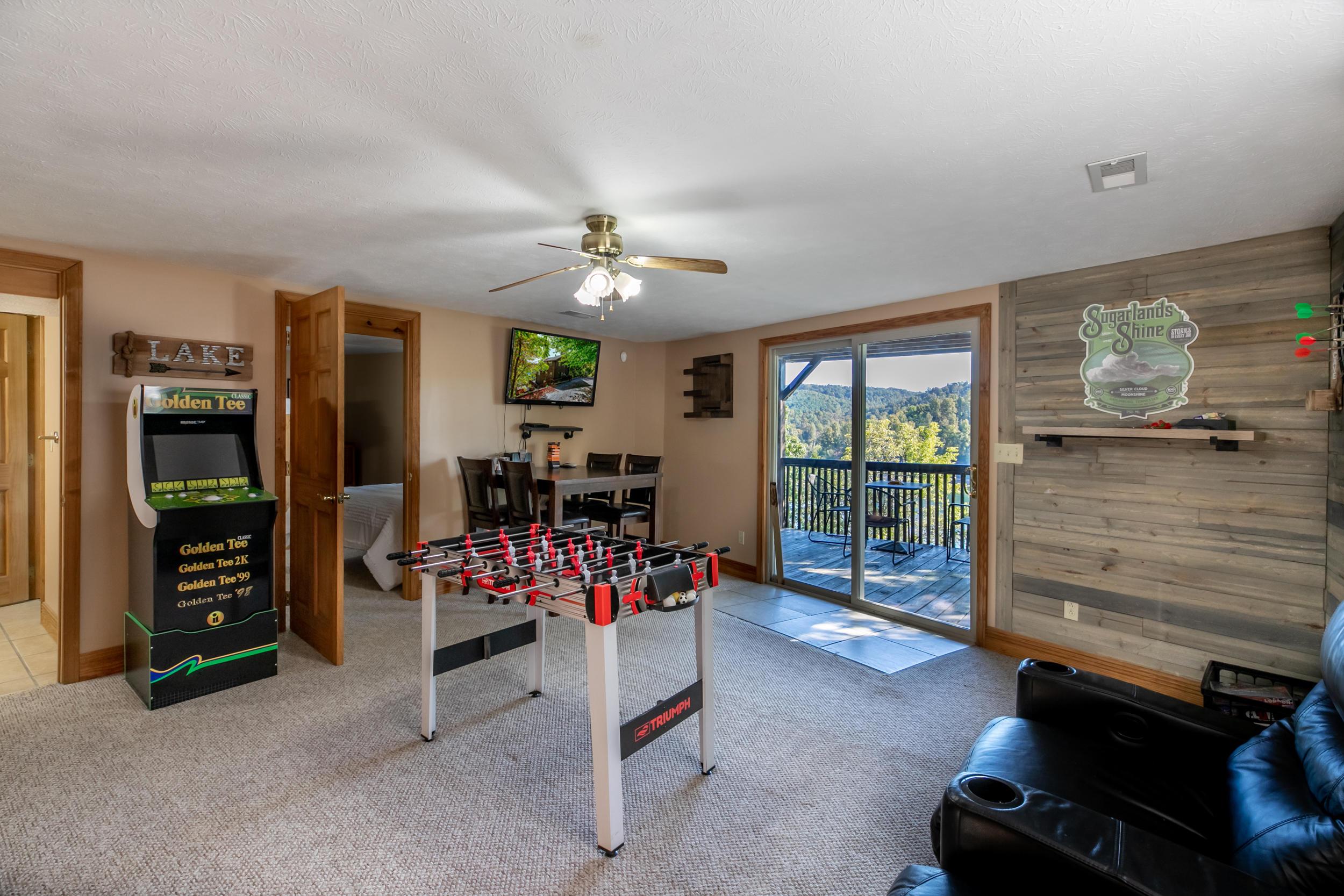 873 Flat Hollow Marina Rd:
