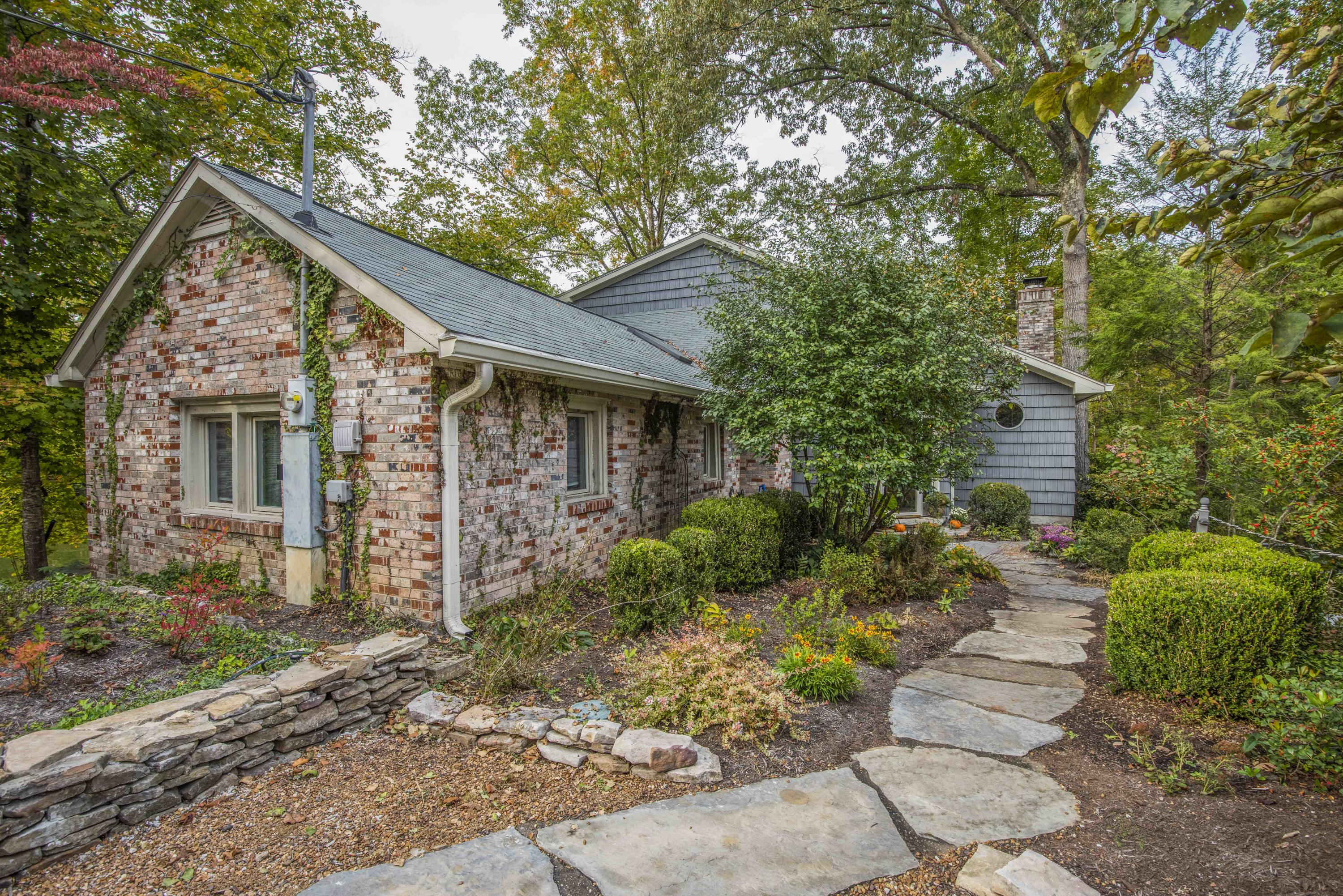 1640 Old Topside Rd: