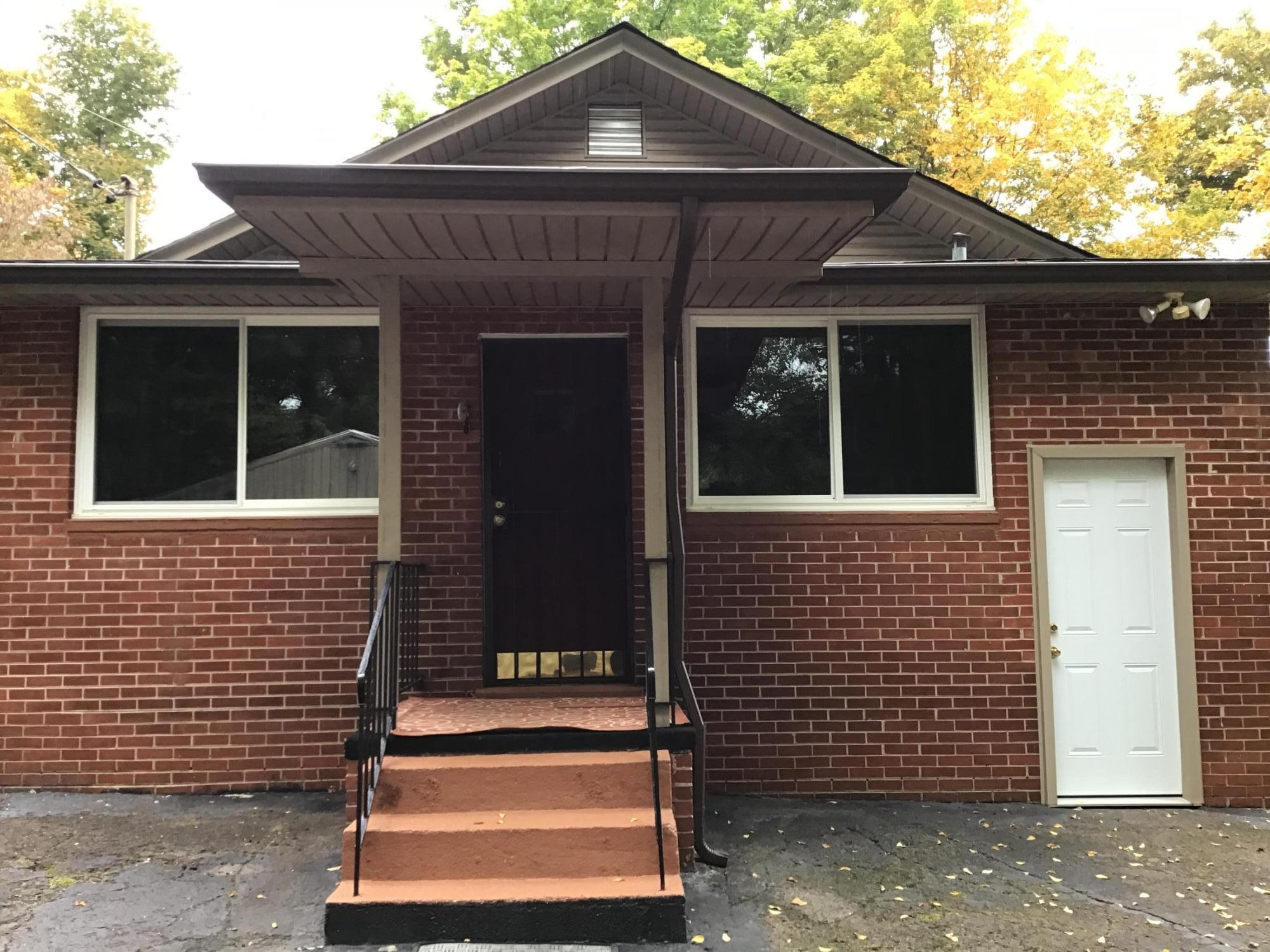 4402 Woodlawn Pike, Knoxville, Tennessee 37920, 3 Bedrooms Bedrooms, ,1 BathroomBathrooms,Single Family,For Sale,Woodlawn,1132600