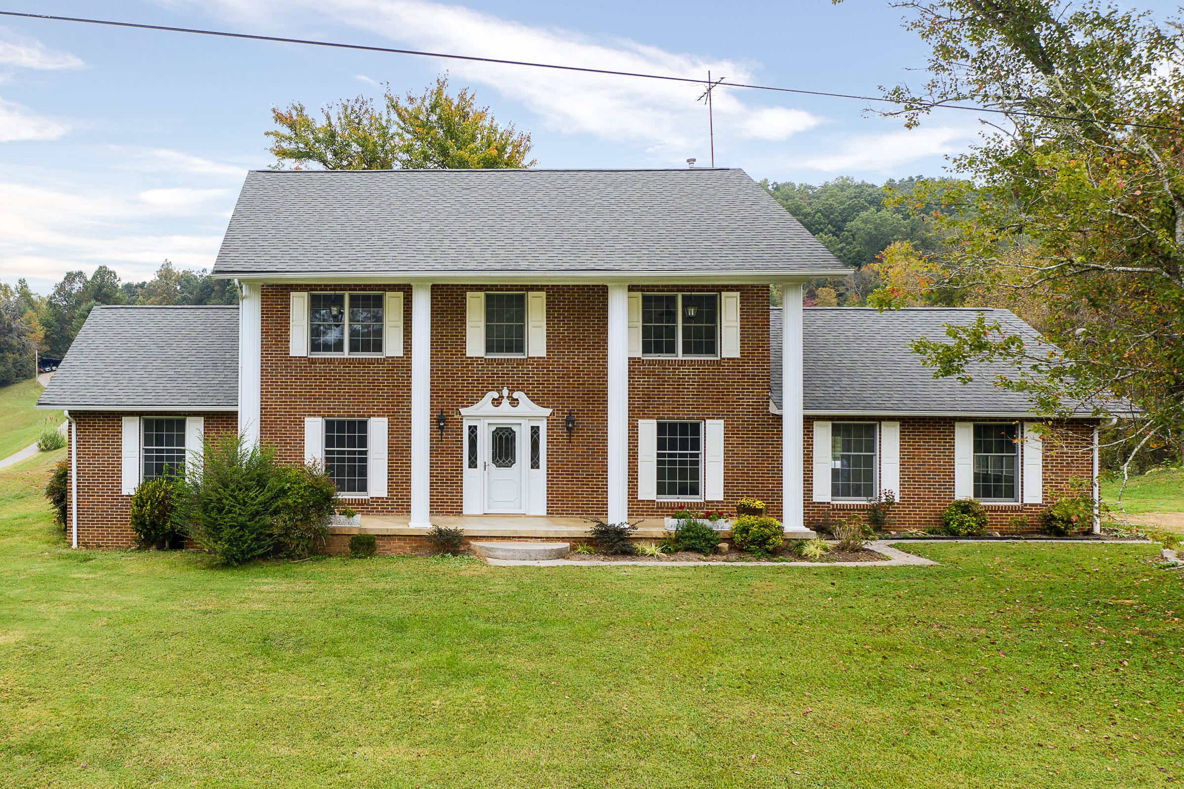 1521 McCammon Rd, Knoxville, Tennessee 37920, 3 Bedrooms Bedrooms, ,3 BathroomsBathrooms,Single Family,For Sale,McCammon,1133591