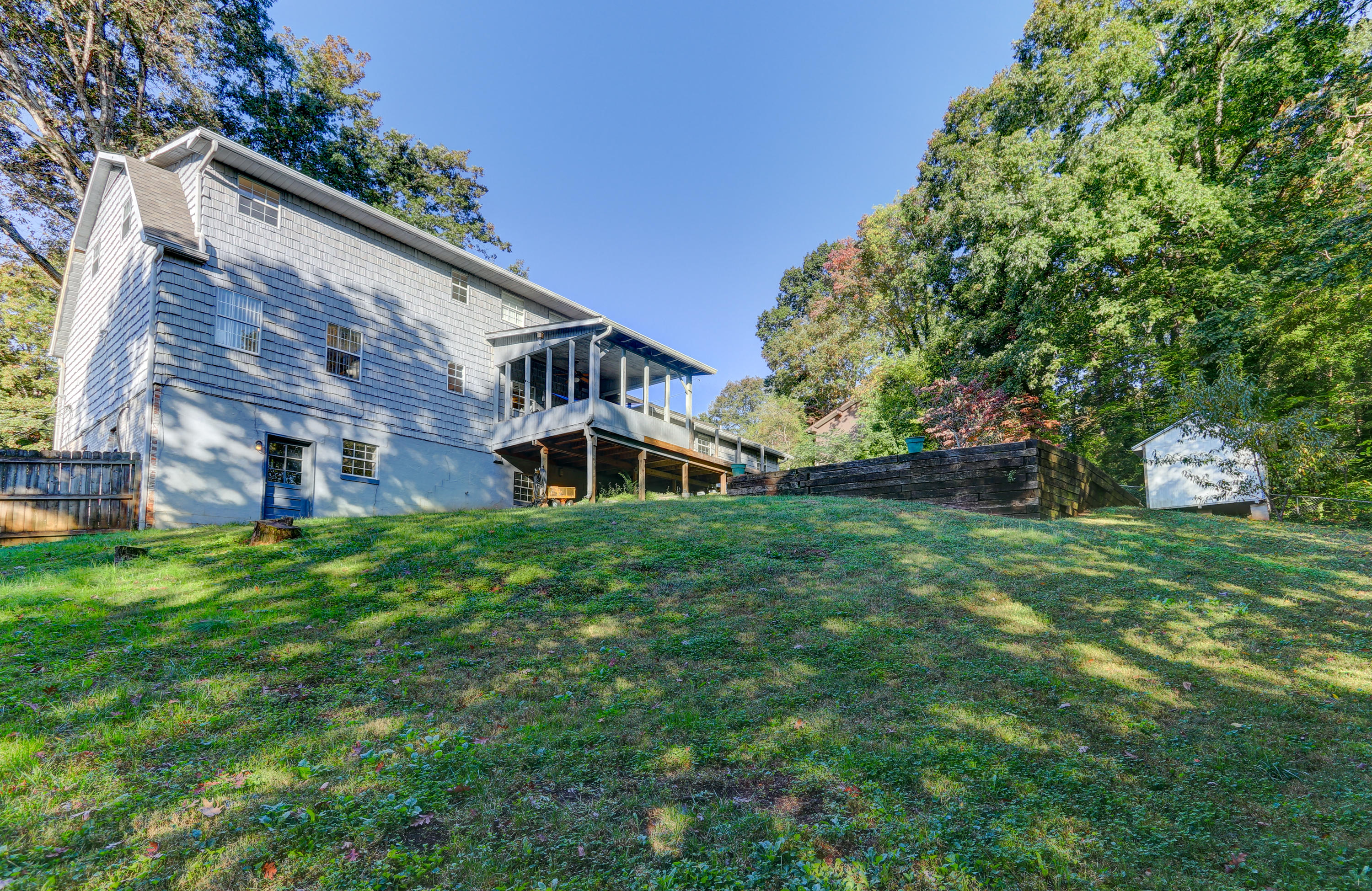 712 Pine Valley Rd, Knoxville, Tennessee 37923, 4 Bedrooms Bedrooms, ,2 BathroomsBathrooms,Single Family,For Sale,Pine Valley,1133157