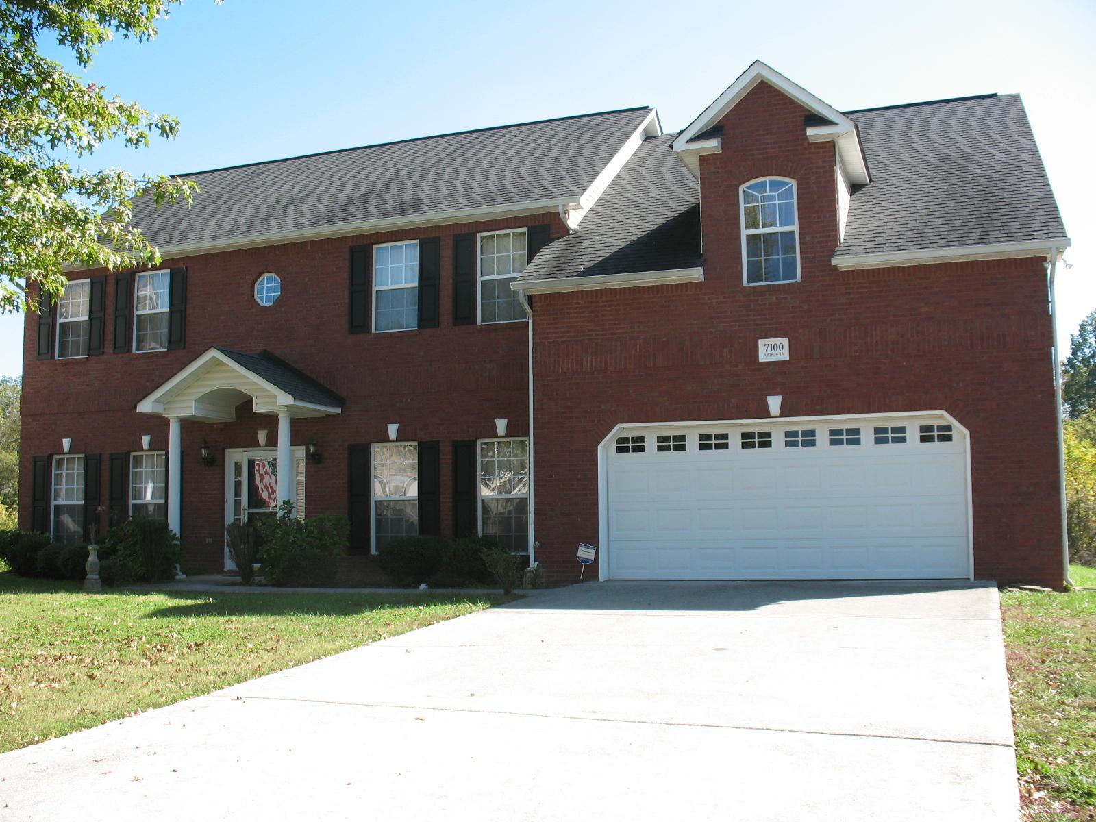 7100 Pondside Lane, Knoxville, Tennessee 37931, 3 Bedrooms Bedrooms, ,2 BathroomsBathrooms,Single Family,For Sale,Pondside,1133554