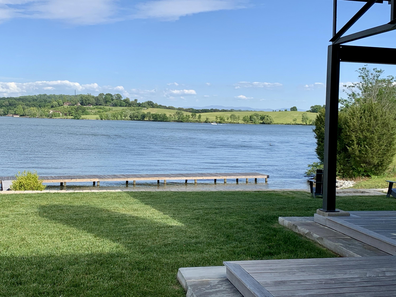 10604 Lake Arcas Way: