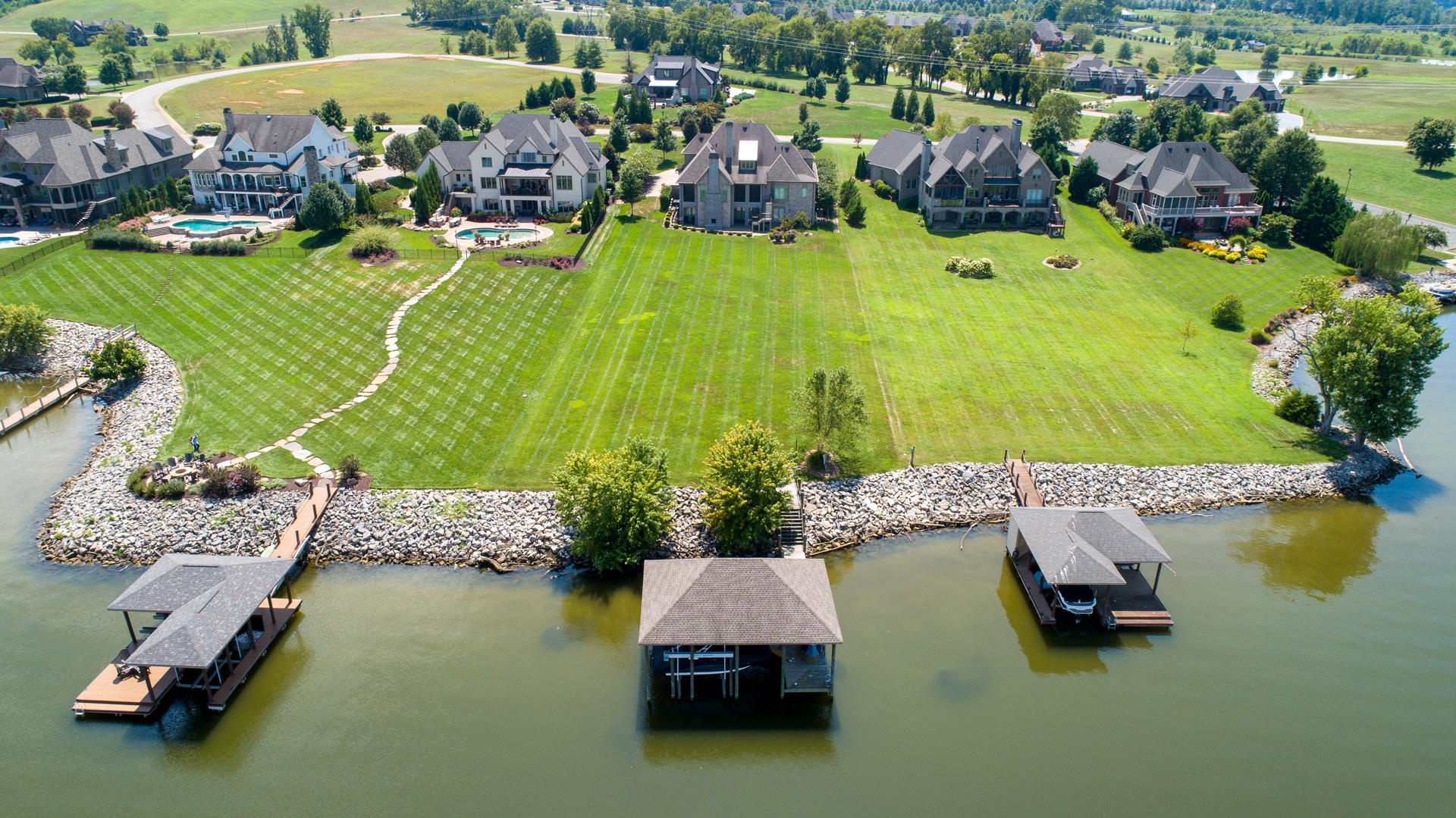 3517 Waterside Way: