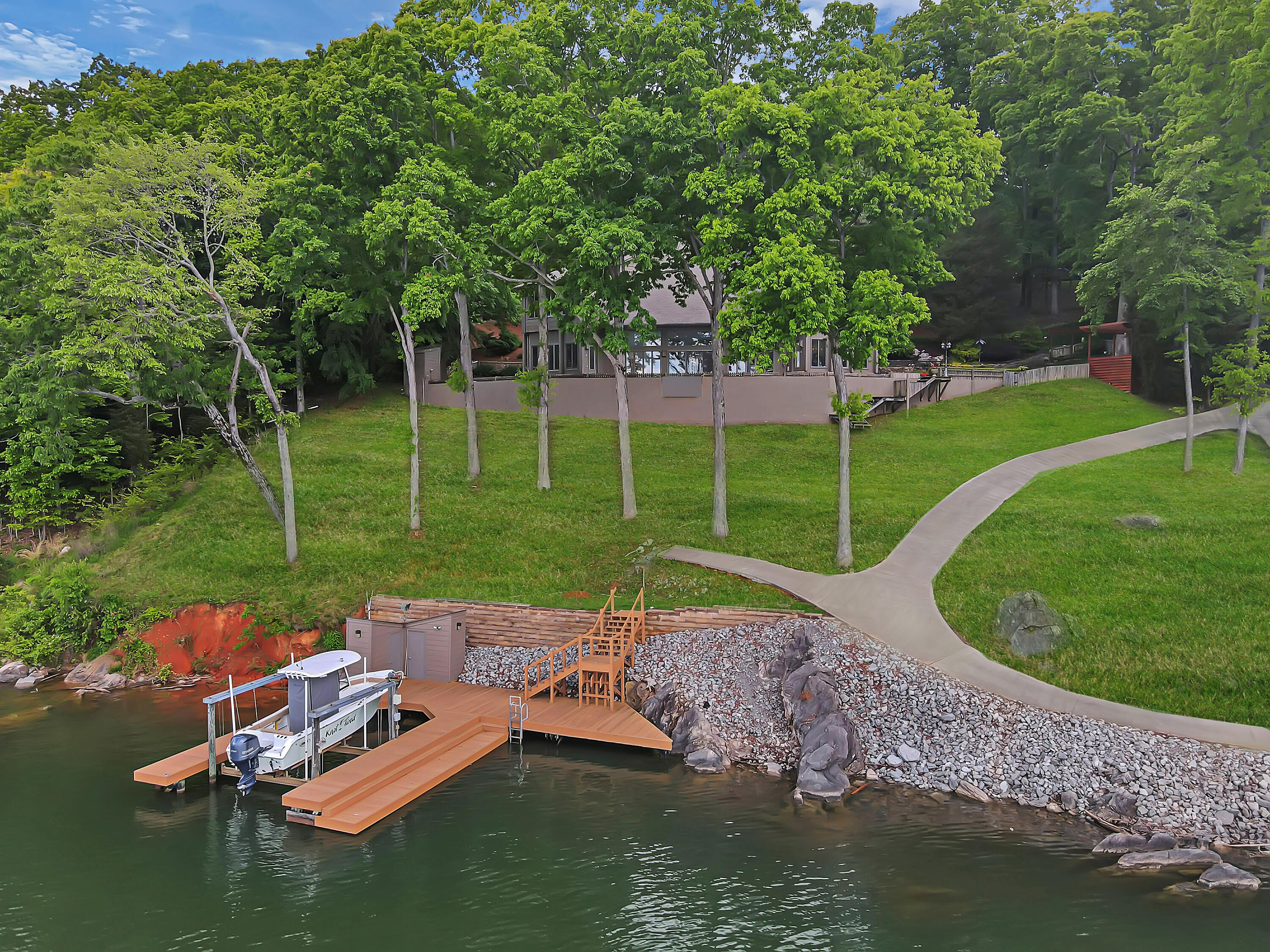 1811 Harbour View Drive: