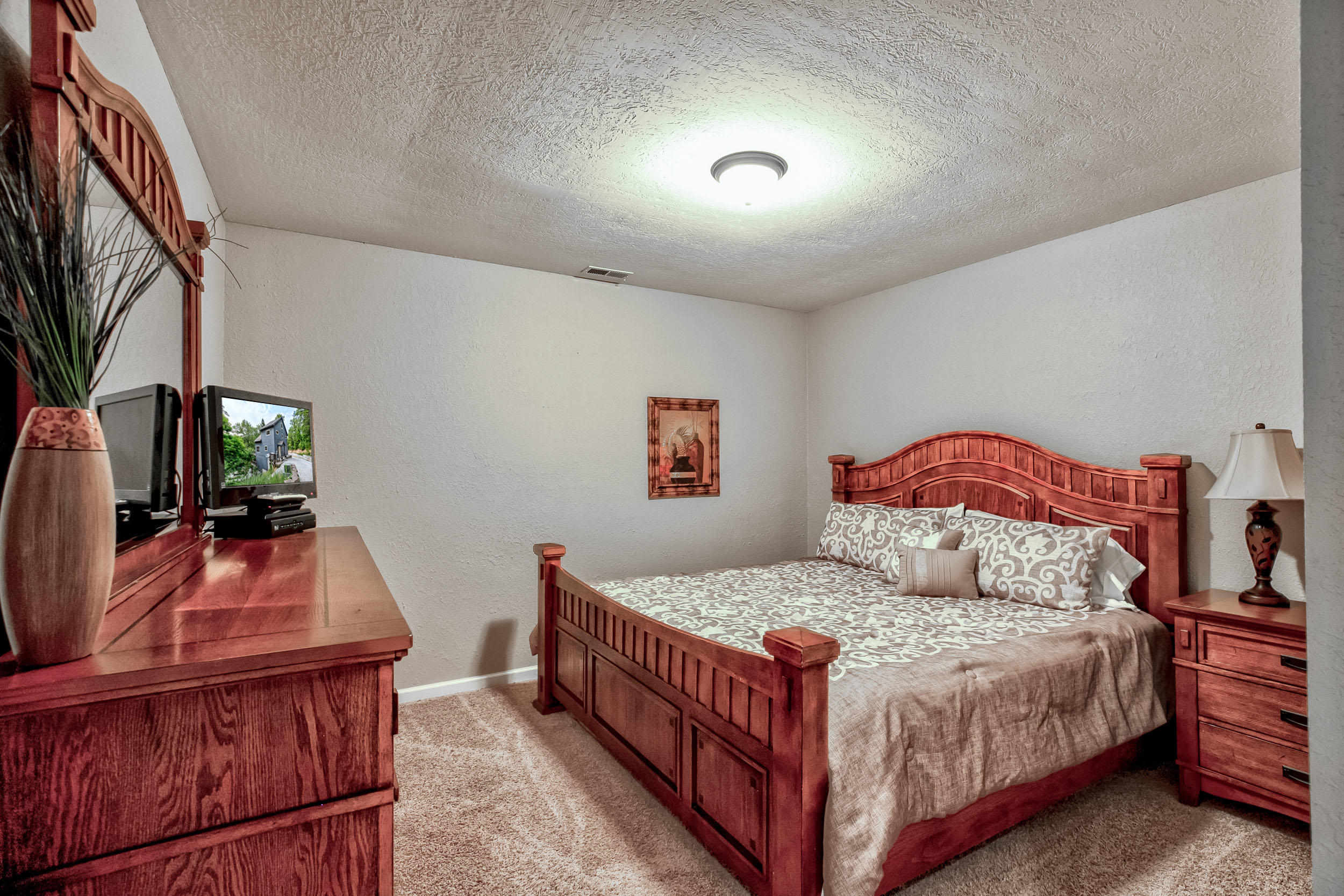 112 Waterfront Tr: