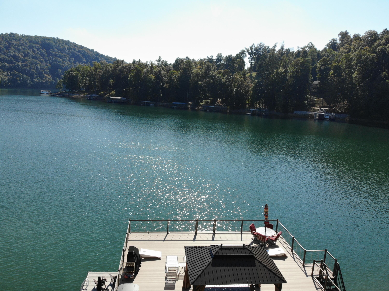 601 Fox Lake Lane: