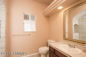 18 Bathroom 1