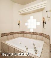 27 Master Bath 3