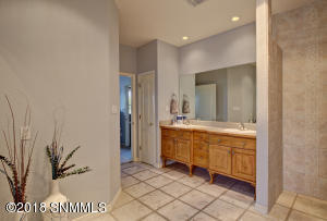 Master Bathroom-1E