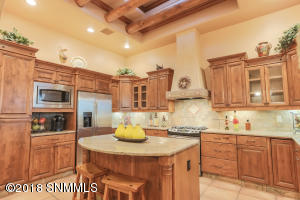 4376 Chimayo Dr Kitchen