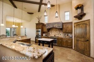 14-Kitchen2-2244 Sedona Hills - 181112