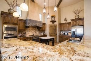 15-Kitchen3-2244 Sedona Hills - 181112