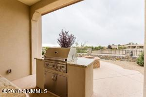 35-Rear Patio3 Grill-2244 Sedona Hills -