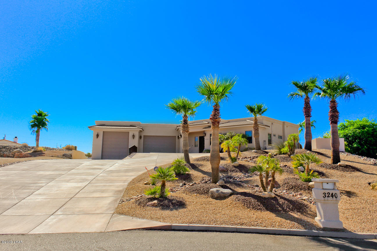 Photo of 3240 Crater Dr, Lake Havasu City, AZ 86404