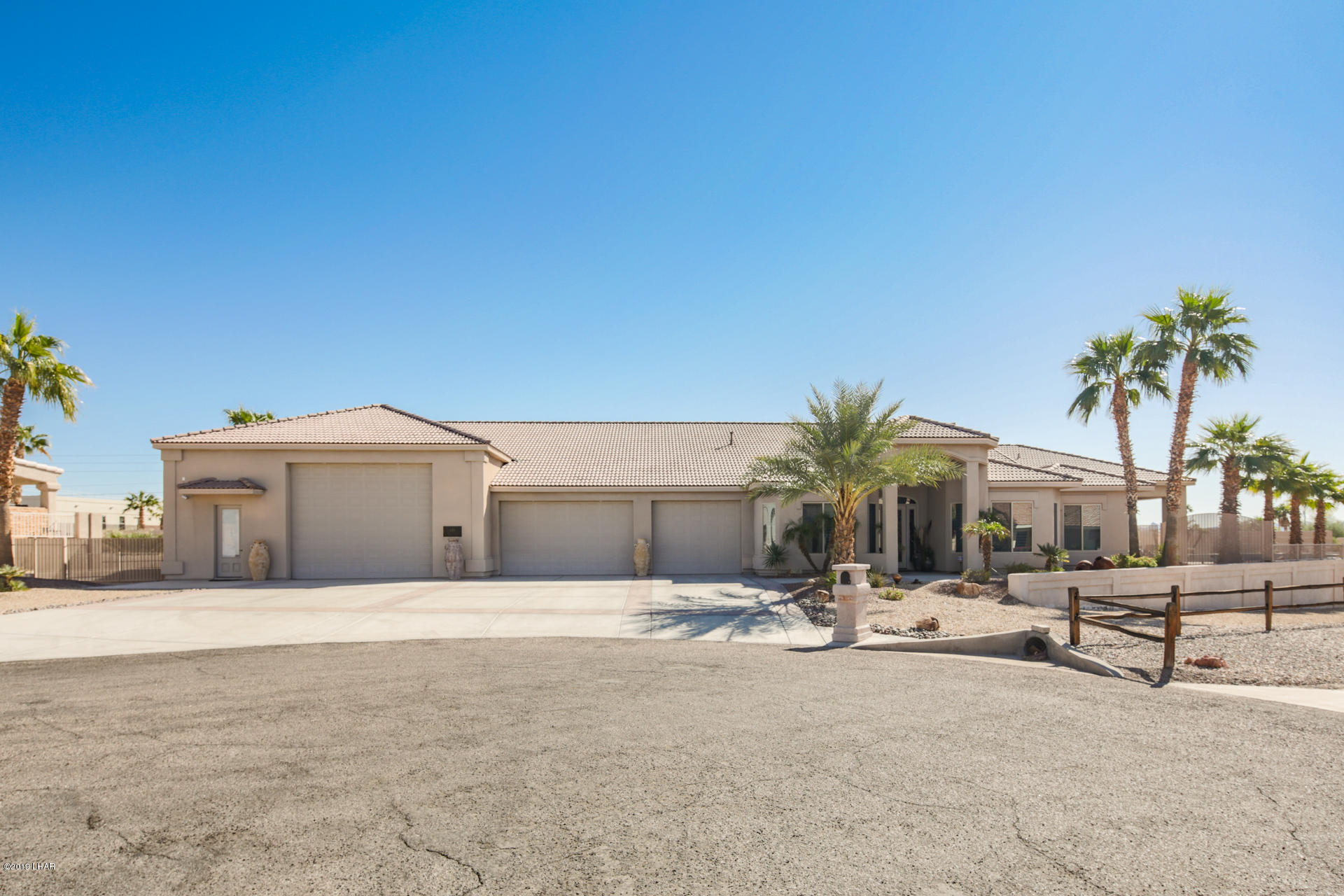 Photo of 659 Plaza Laredo, Lake Havasu City, AZ 86406