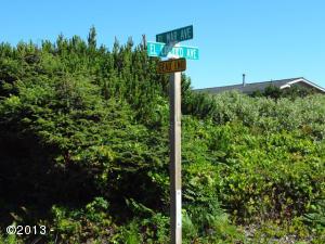 TL13000 El Circulo Ave, Gleneden Beach, OR 97388