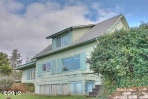 5298 NW 53rd Dr, Lincoln City, OR 97367 - Exterior
