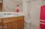 1850 NE 56th Dr, Lincoln City, OR 97367 - Upper Level Full Bath