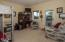 906 SW 7th St., B, Newport, OR 97365 - Garden Level Master Suite