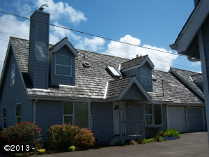 462 NE 5th St, Newport, OR 97365 - front