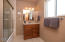 1066 NW 6th Court, Lincoln City, OR 97367 - Full Guest Bath 2